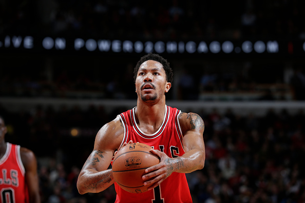 Derrick Rose shoots a free throw against the Cleveland Cavaliers during the game at the United Center in Chicago on Feb. 12, 2015