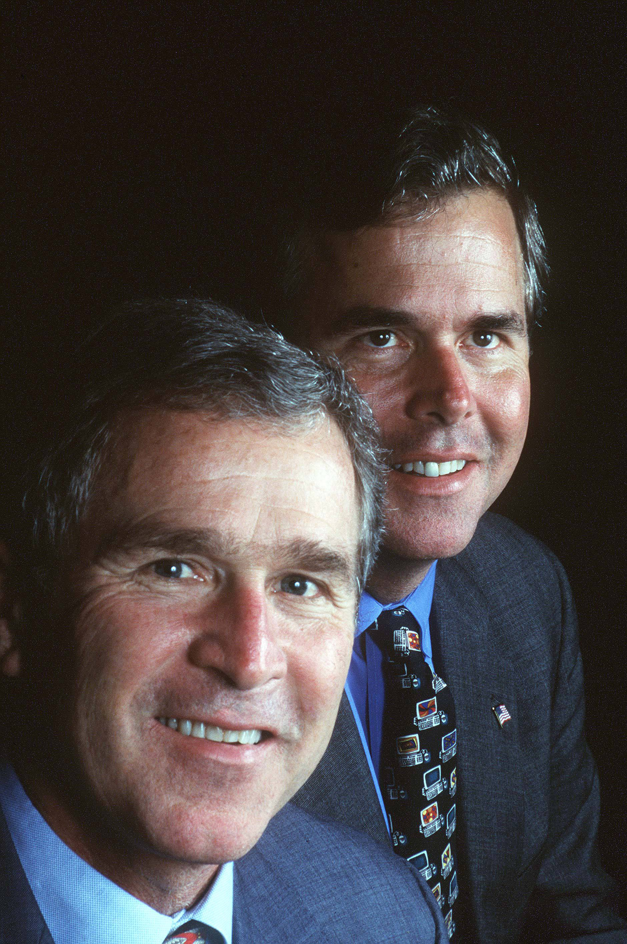 George W. Bush and Jeb Bush at the Republican Governors' Convention in New Orleans, 1998.