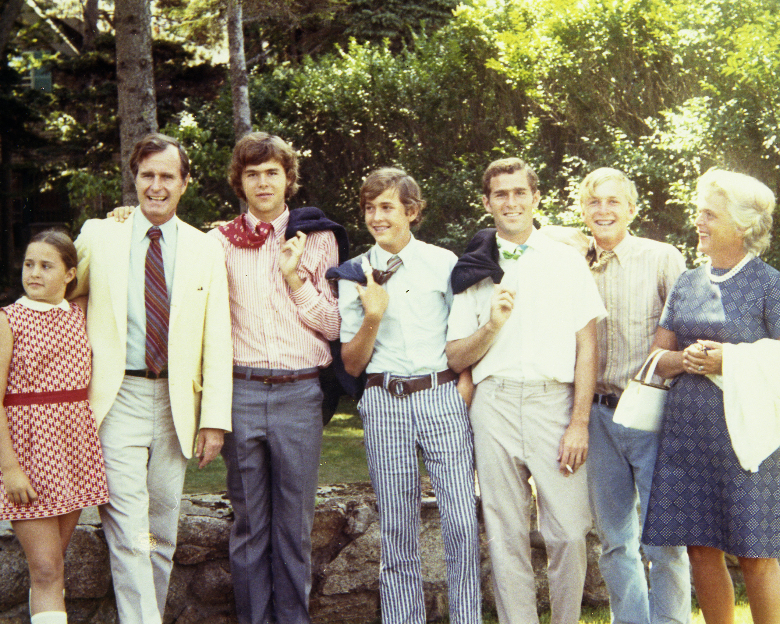 From left to right: Doro, George, Jeb, Marvin, George W., Neil, and Barbara Bush, 1966.