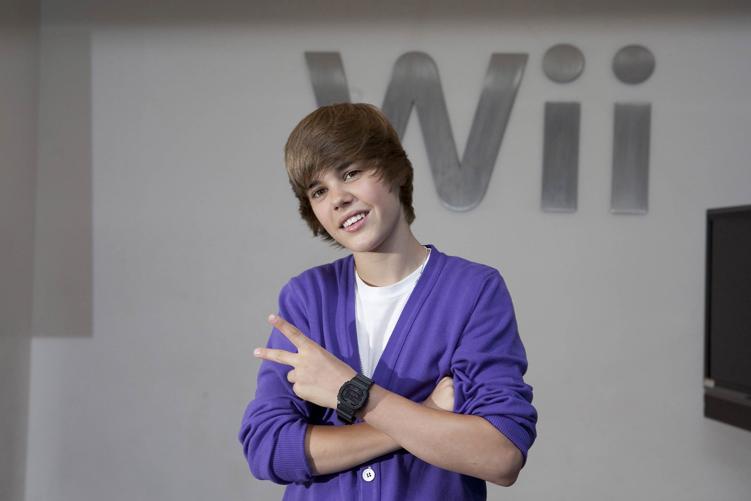 Justin Bieber visits the Nintendo World Store in 2009.