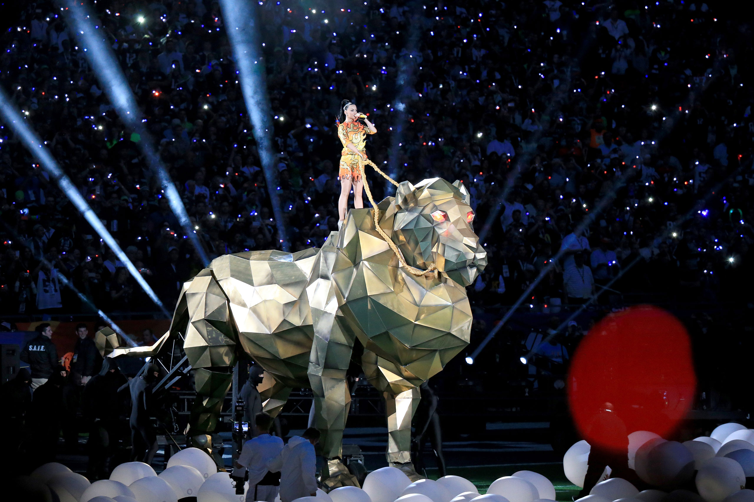 Katy Perry performs onstage during the Pepsi Super Bowl XLIX Halftime Show at University of Phoenix Stadium on Feb. 1, 2015 in Glendale, Ariz.