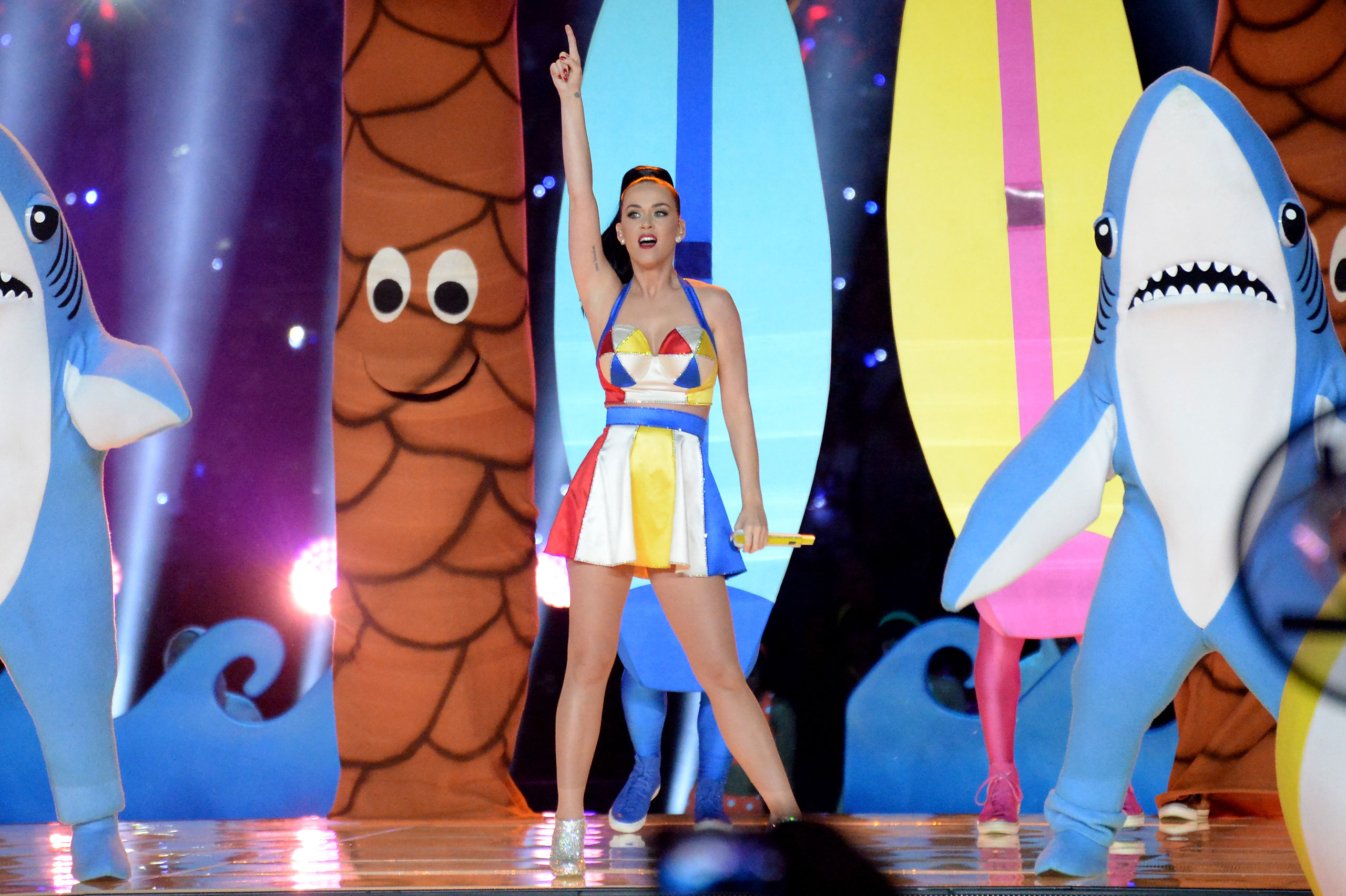 Katy Perry performs onstage during the Pepsi Super Bowl XLIX Halftime Show at University of Phoenix Stadiumon Feb. 1, 2015 in Glendale, Ariz.