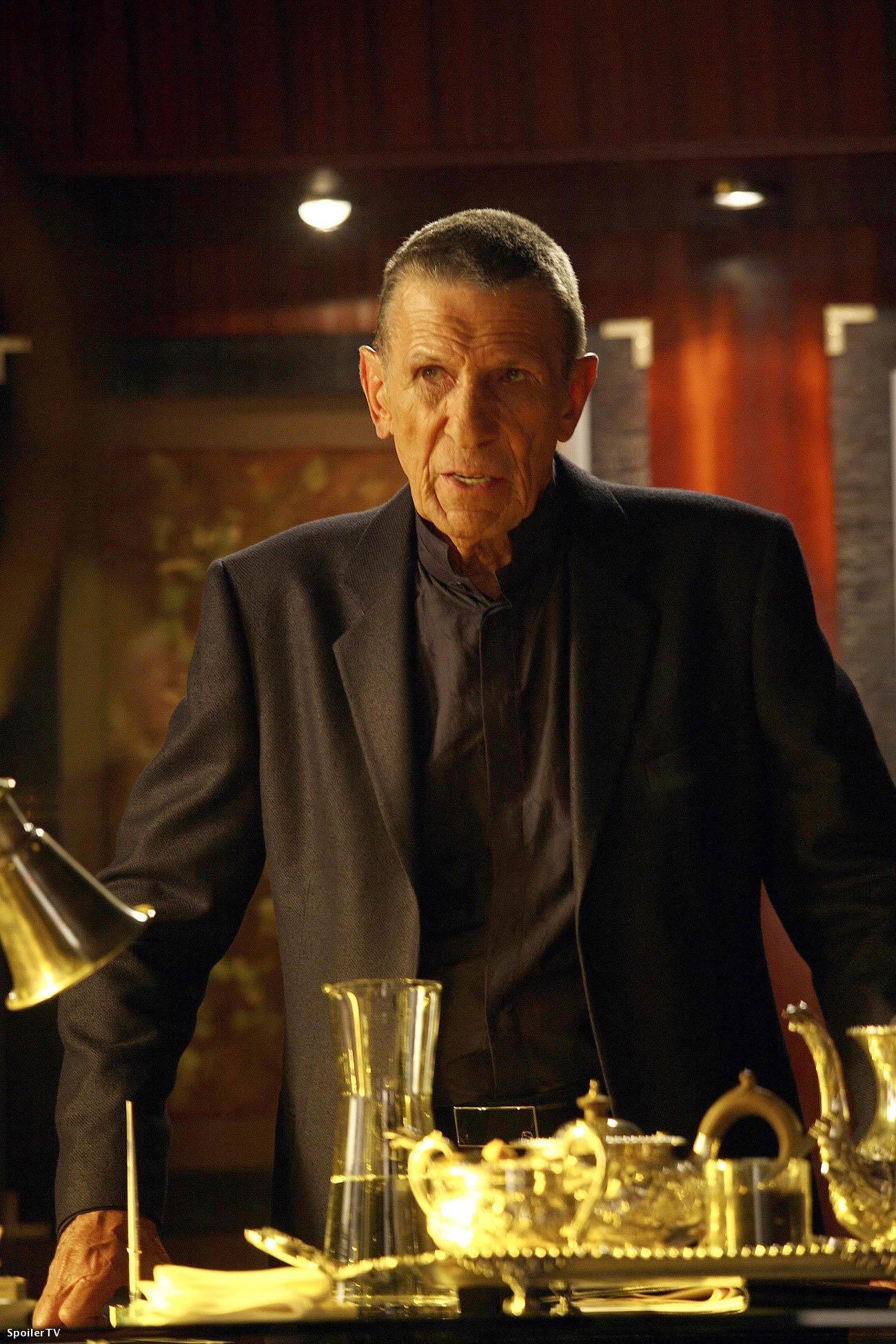 Leonard Nimoy guest stars on <i>Fringe</i>