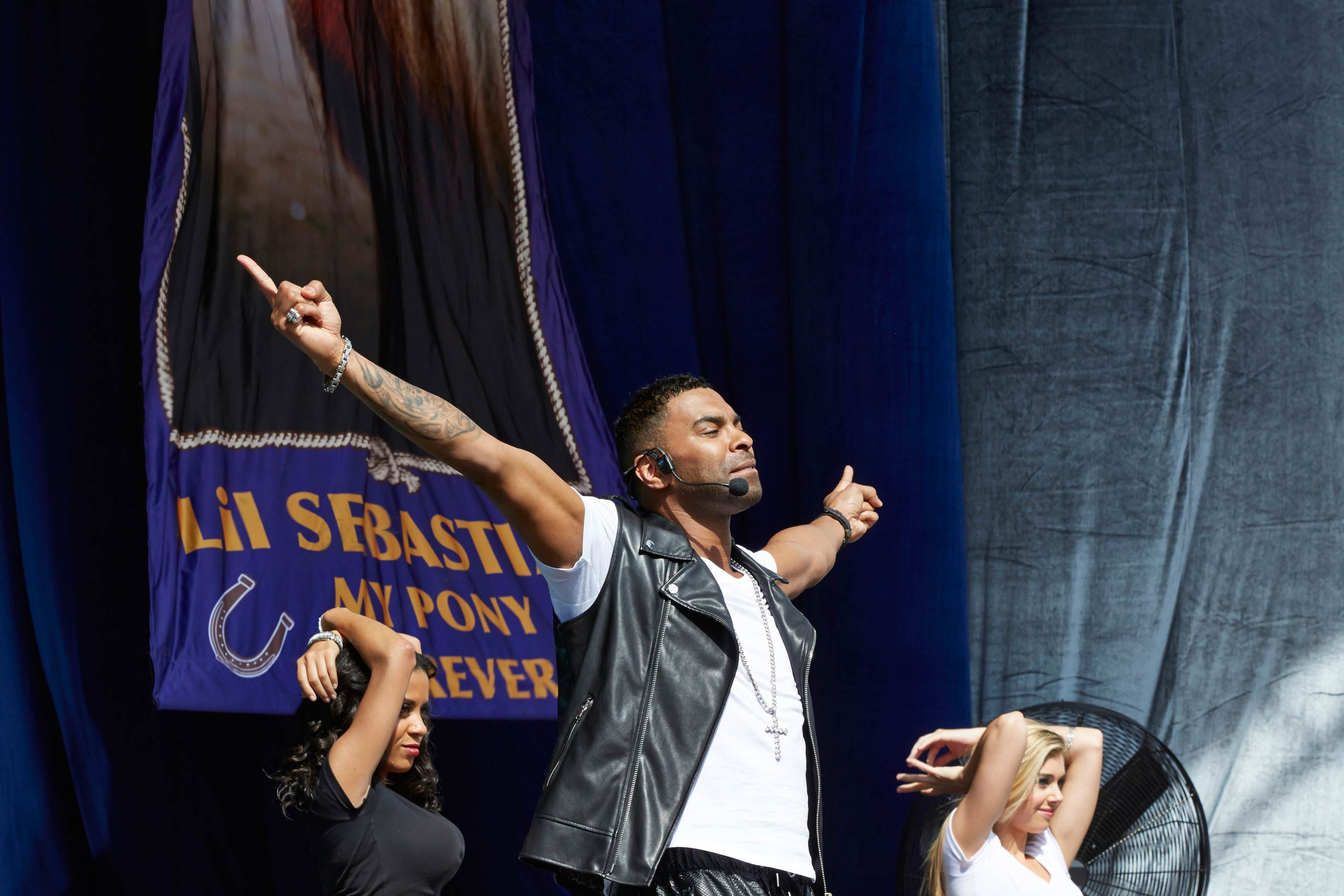 <strong>Ginuwine as himself</strong>