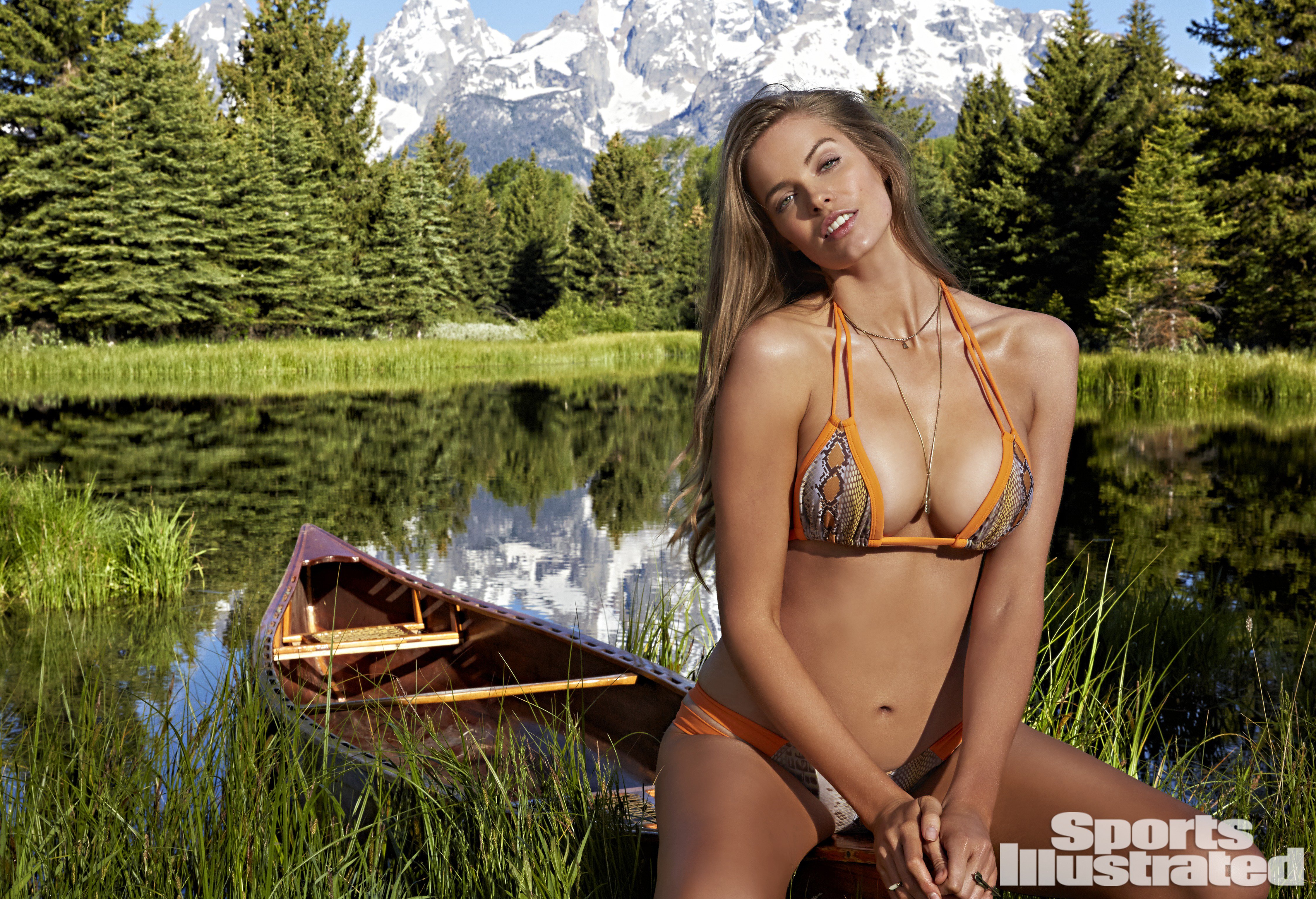 Robyn Lawley First Plus Size Model In Sports Illustrated Swimsuit Edition Time
