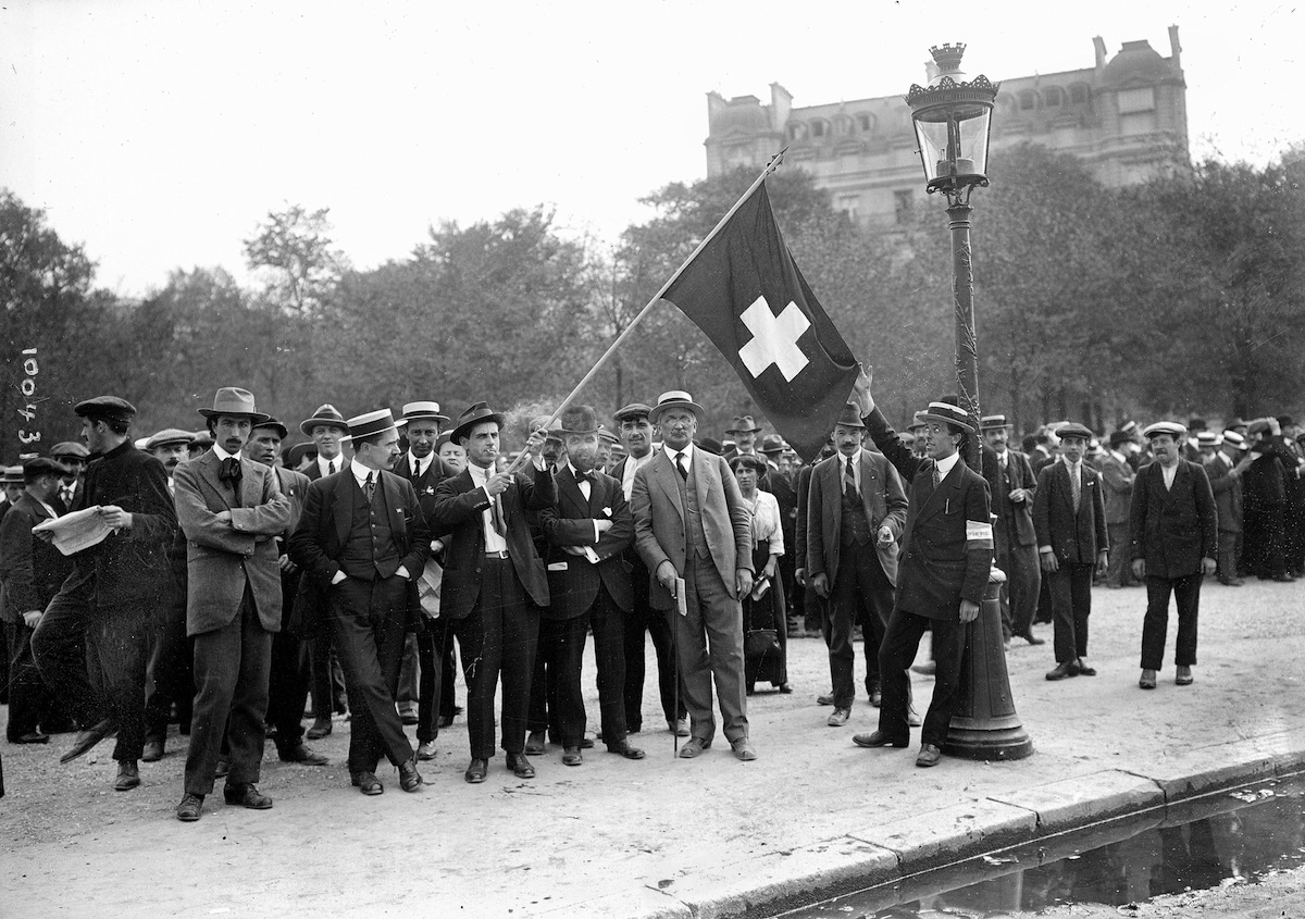 Swiss WWI volunteers in Paris, August 1914