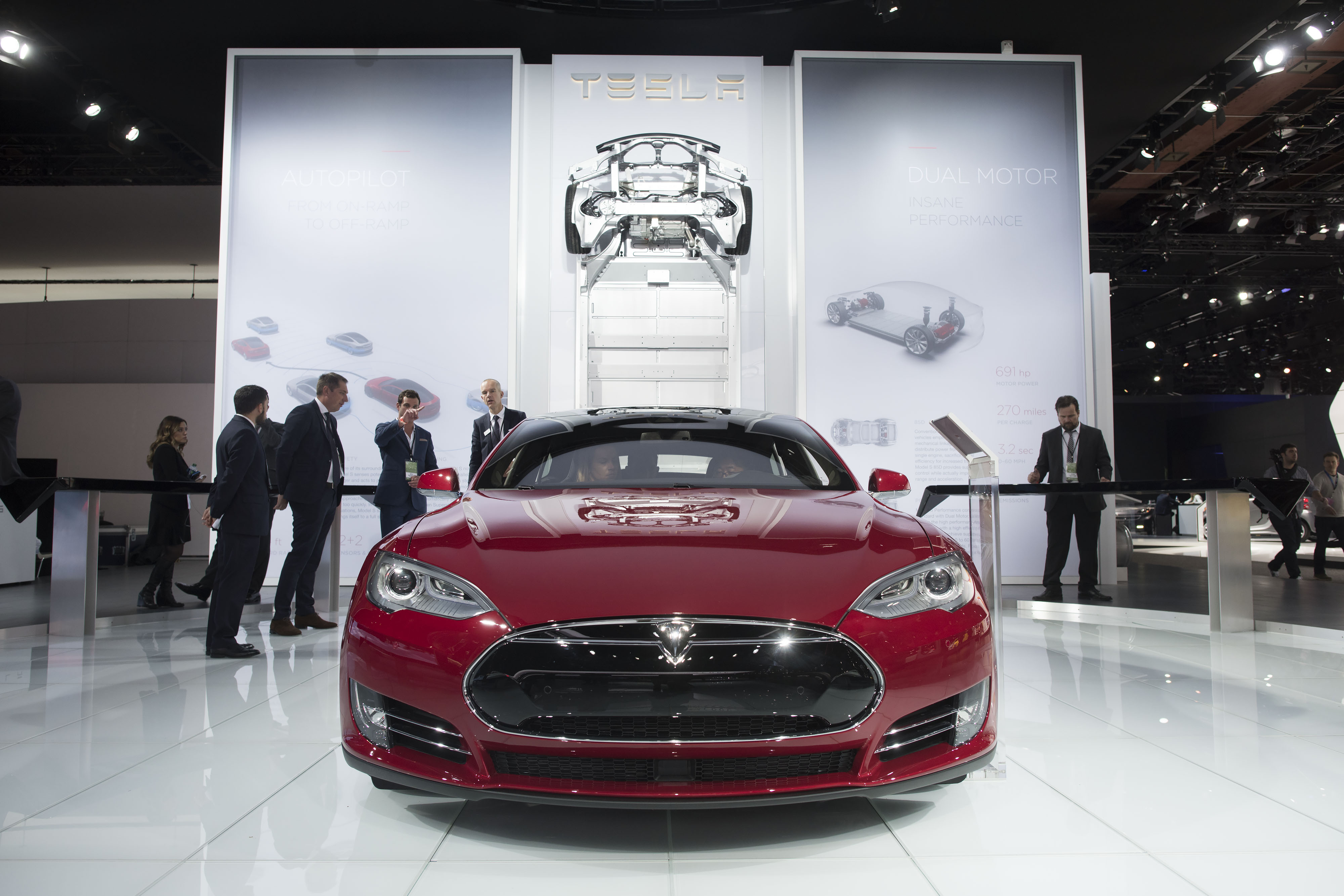 A Tesla Motors Inc. Model S P85D vehicle is displayed at the 2015 North American International Auto Show (NAIAS) in Detroit on Jan. 12, 2015.