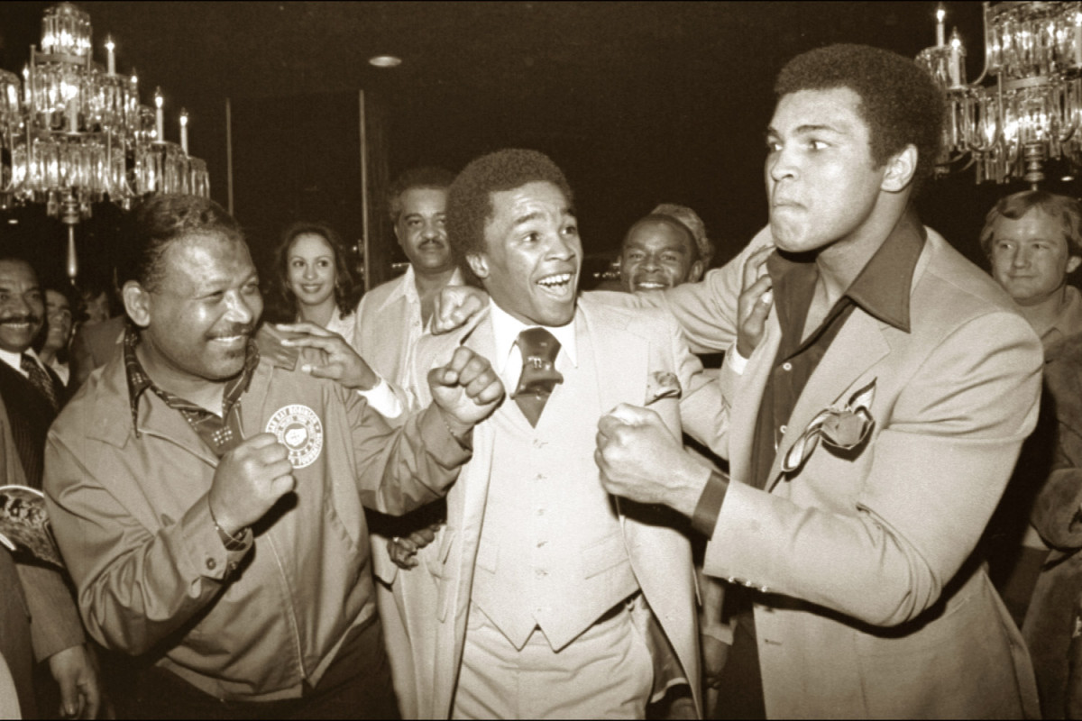 Sugar Ray Robinson, Sugar Ray Leonard and Ali in Las Vegas, 1977                               Sugar Ray Leonard:   When I think of Muhammad Ali on his 70th birthday, I think another year has gone by for me to thank Muhammad for showing me his blueprint of what a champion is, inside and outside the ring!  Happy birthday, Champ! Your friend, Sugar Ray Leonard.                                Sugar Ray Leonard is a retired professional boxer.