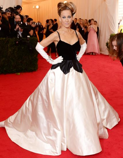OSCAR DE LA RENTA, 2014                                For the Costume Institute Gala Benefit celebrating the Charles James exhibit, the A-lister arrived dressed to the nines in an Oscar de la Renta gown and white gloves.