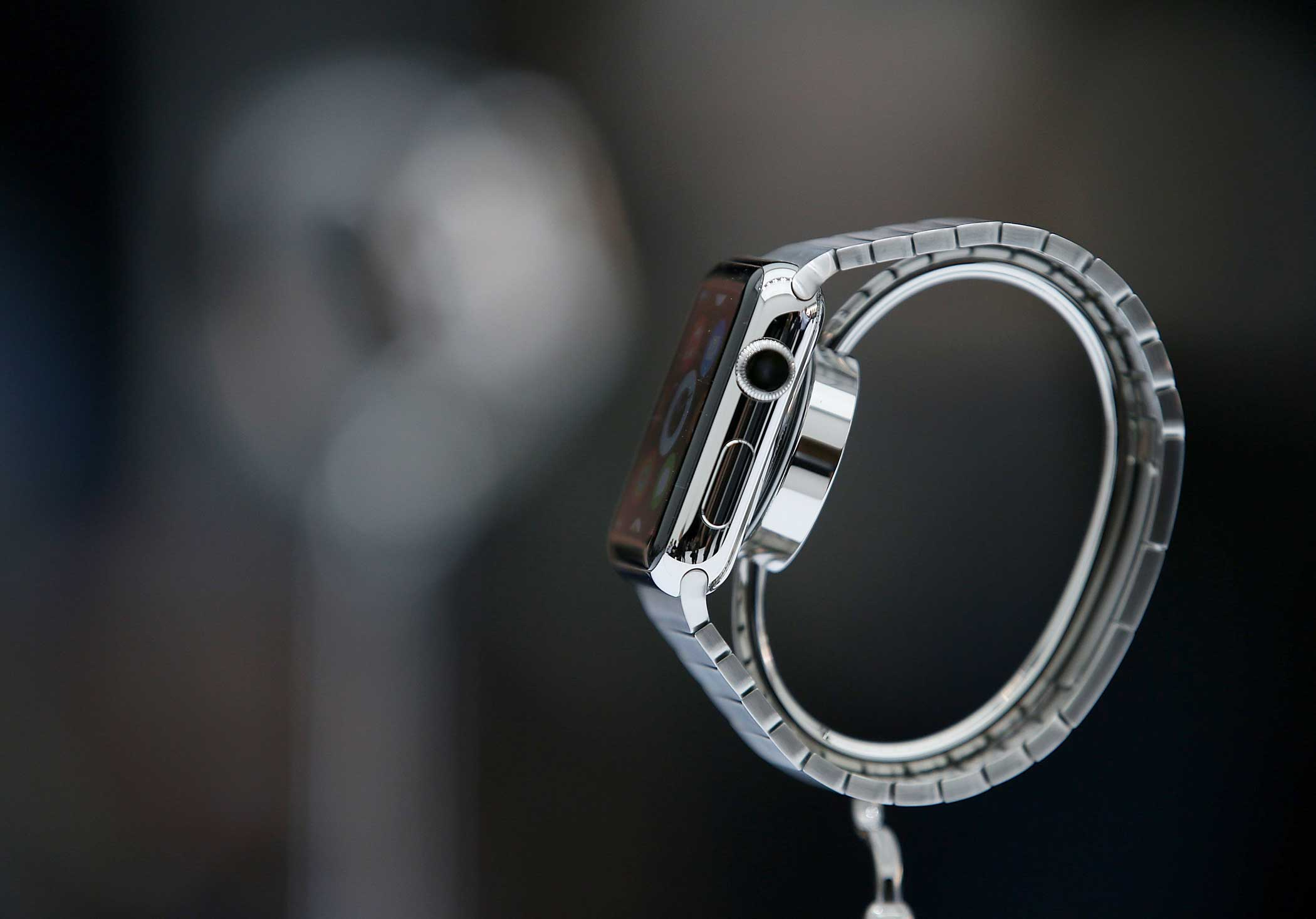 The Watch will come with many customizable bands that slip on and click in place at the top and bottom of the device's body.