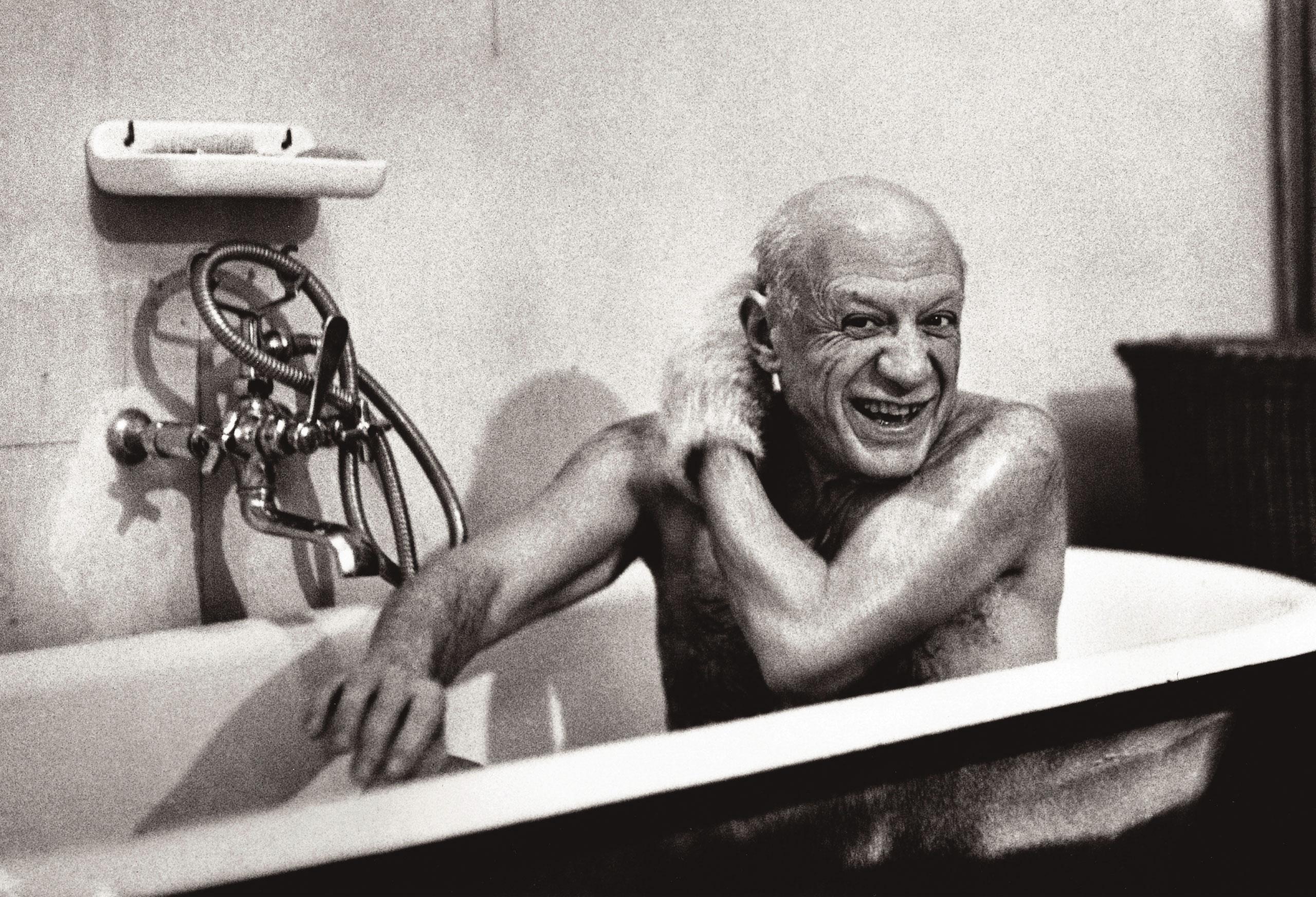 Pablo Picasso in the bathtub: Villa la Californie, Cannes France. February 8, 1956.