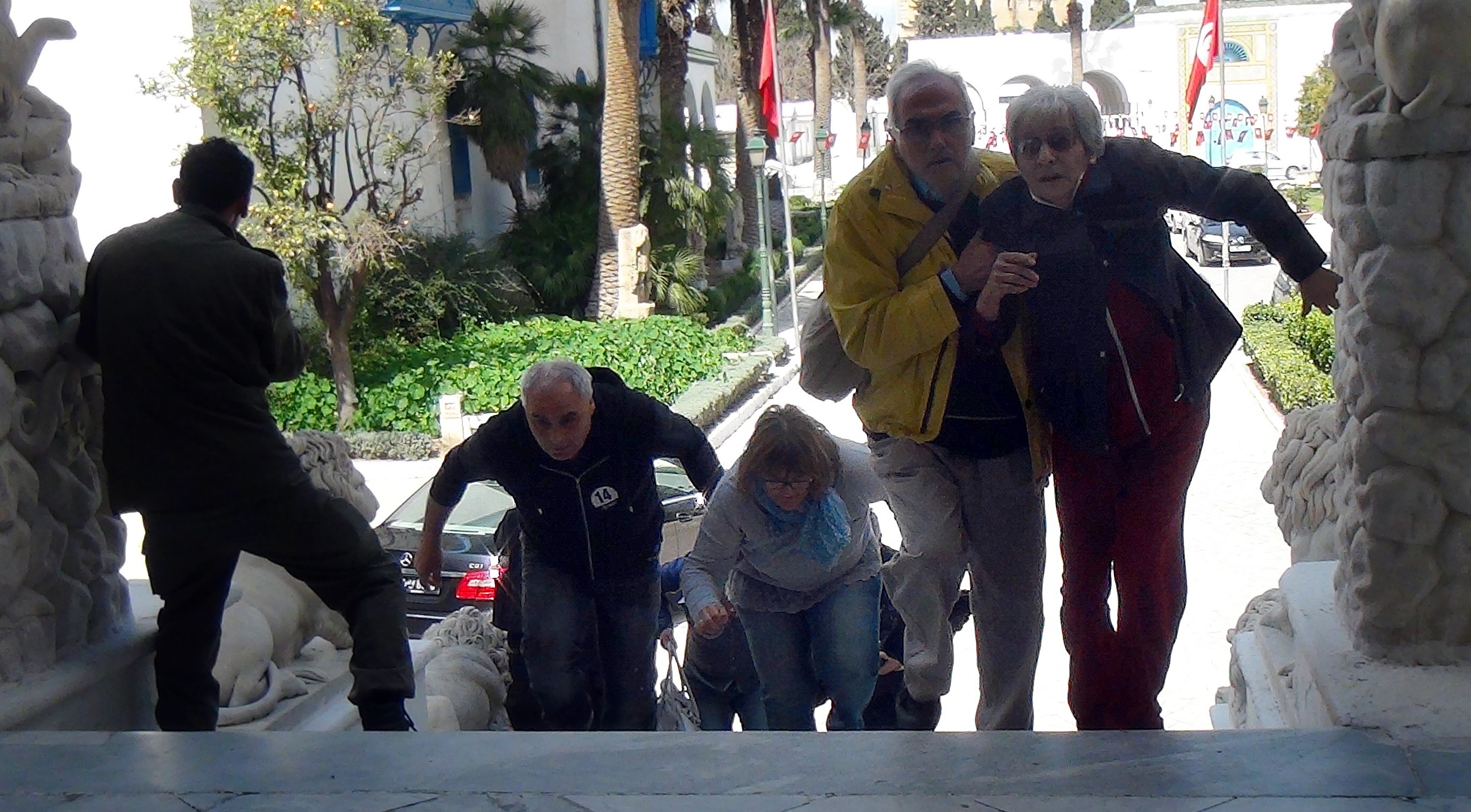 Museum-attack hostages are seen after Tunisian Security forces start an operation as gunmen reportedly took hostages at the Bardo Museum in Tunis on March 18, 2015.