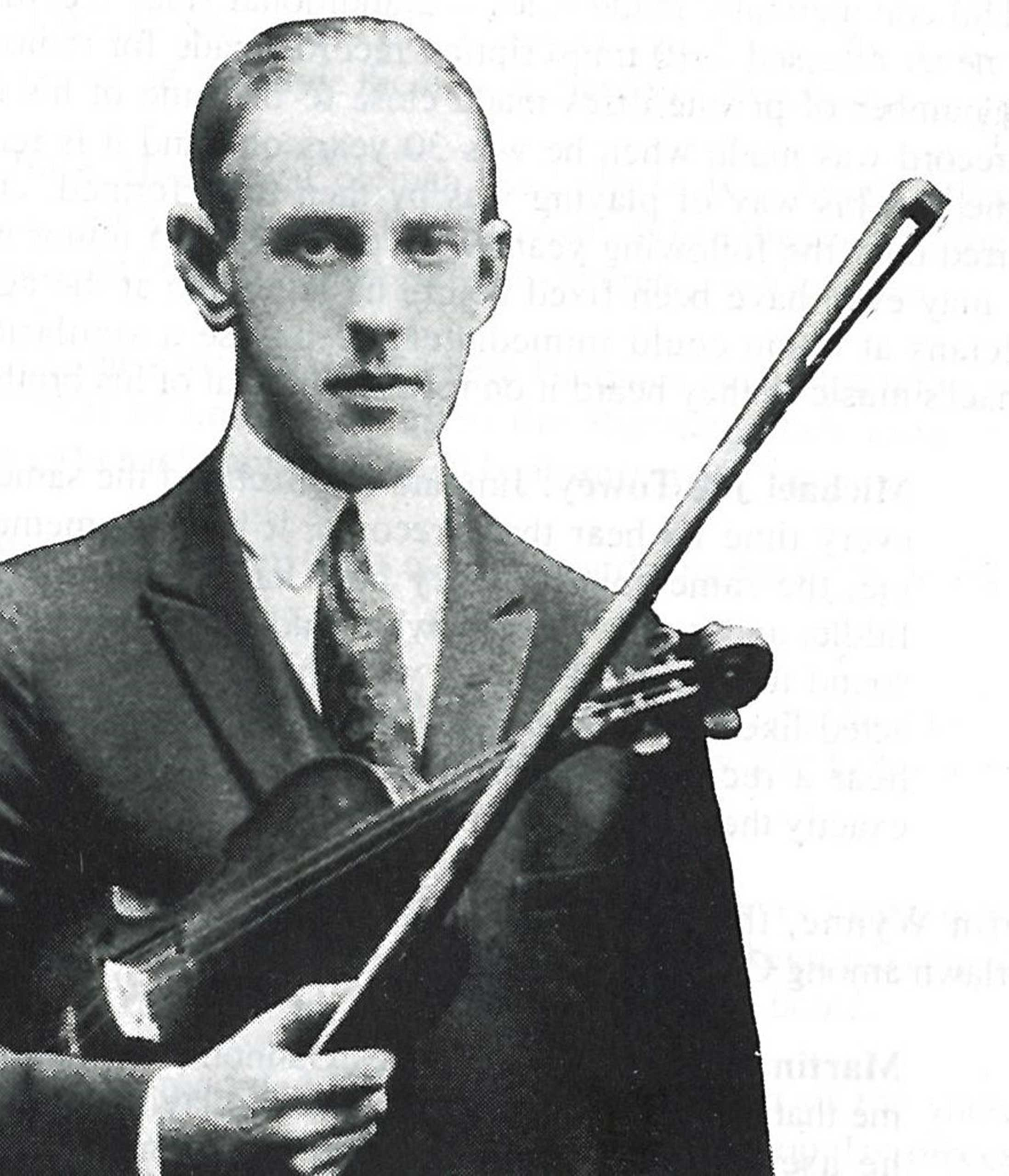 Irish fiddler Michael Coleman, who moved to New York City in 1914, brought new respect to traditional Irish music with his highly skilled playing. (Viva Voce/Library of Congress)