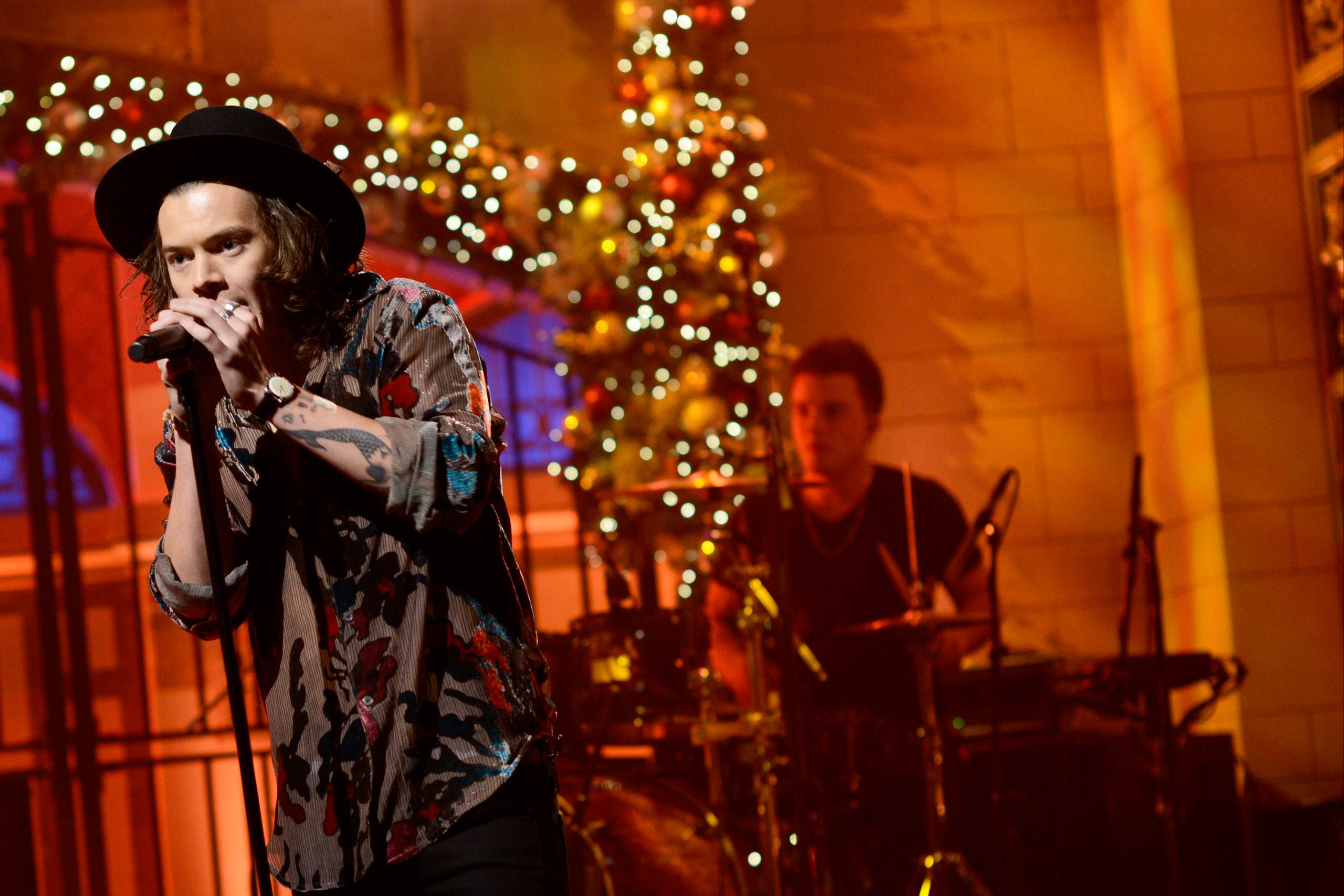 Harry Styles performs on <i>Saturday Night Live</i> on Dec. 18, 2014.