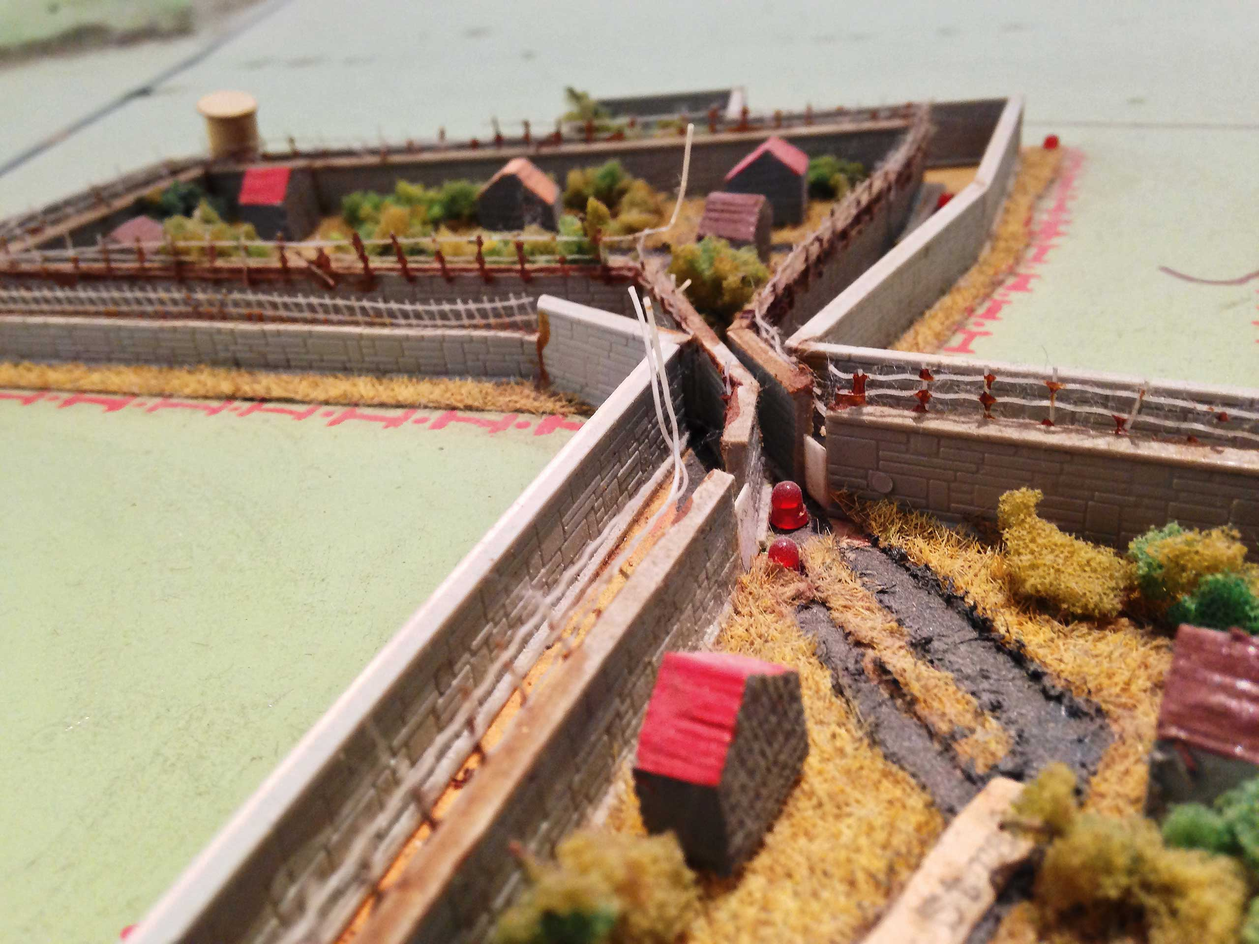 Part of a model of the border installations at Potsdam, including the electric signal fence. This model was made by Franz Pateley, the border commander for the Klein-Glienicke section in border regiment. He kept the model in his garage for twenty years, and it was first shown to the public in 2011.