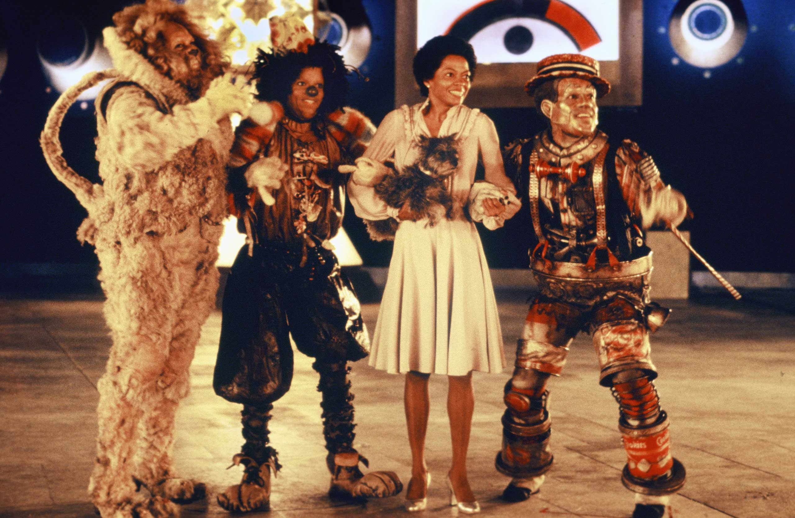 The cast of  The Wiz  (L-R Ted Ross, Michael Jackson, Diana Ross and Nipsey Russell) pose for a publicity shot in 1978 in New York.