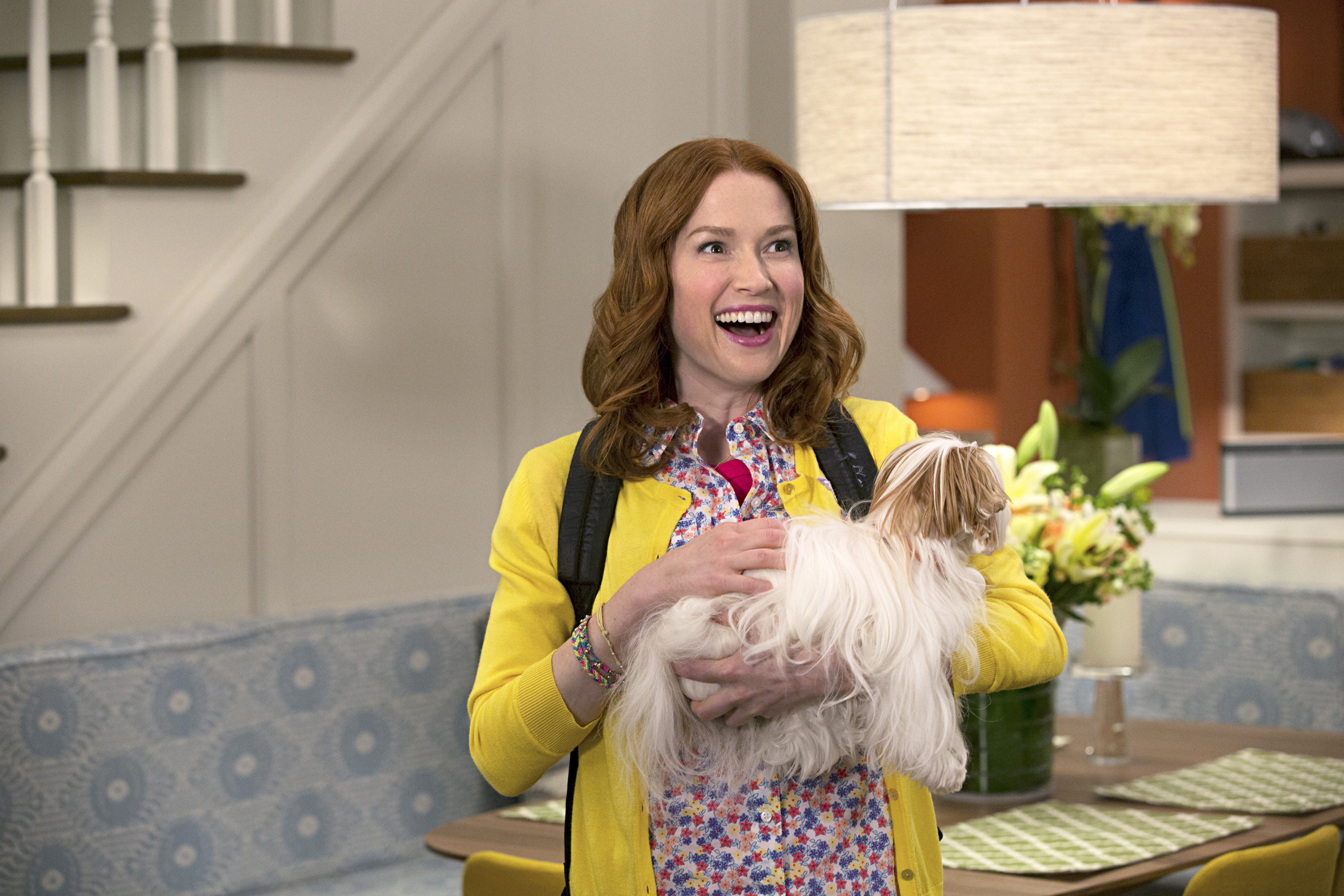 Ellie Kemper radiates good cheer in Unbreakable Kimmy Schmidt,                     co-produced by Tina Fey