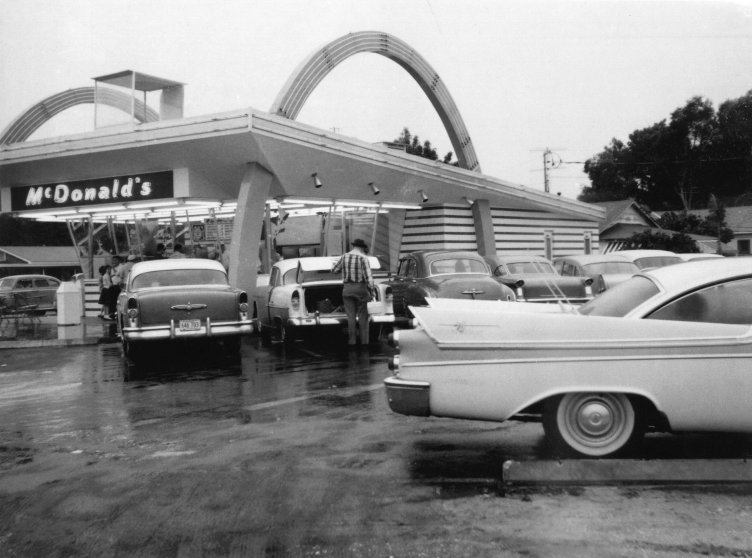 The Sixth Florida McDonald's Location Opens in St. Petersburg in 1958.