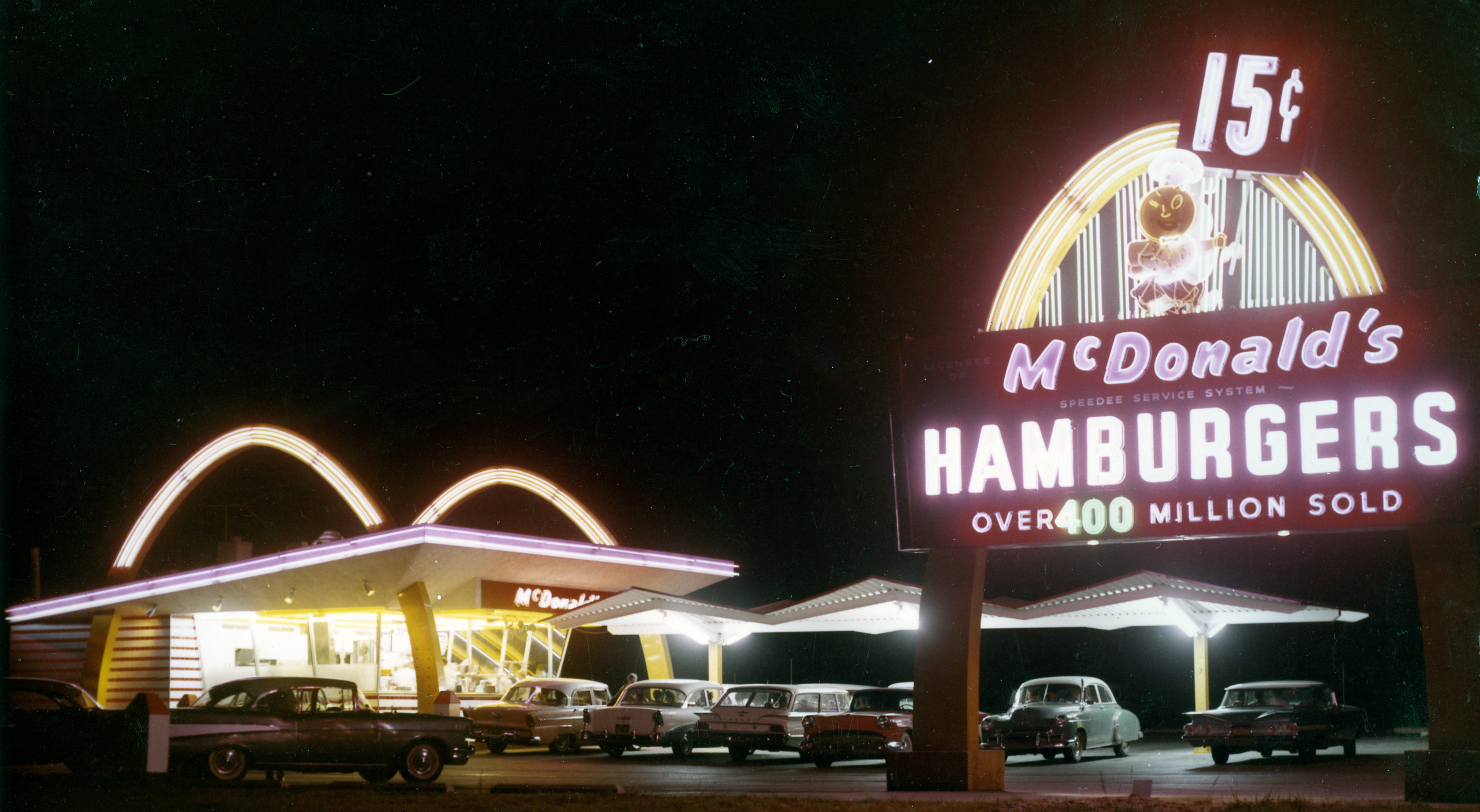 McDonald's reaches 400 Million served, in 1960.
