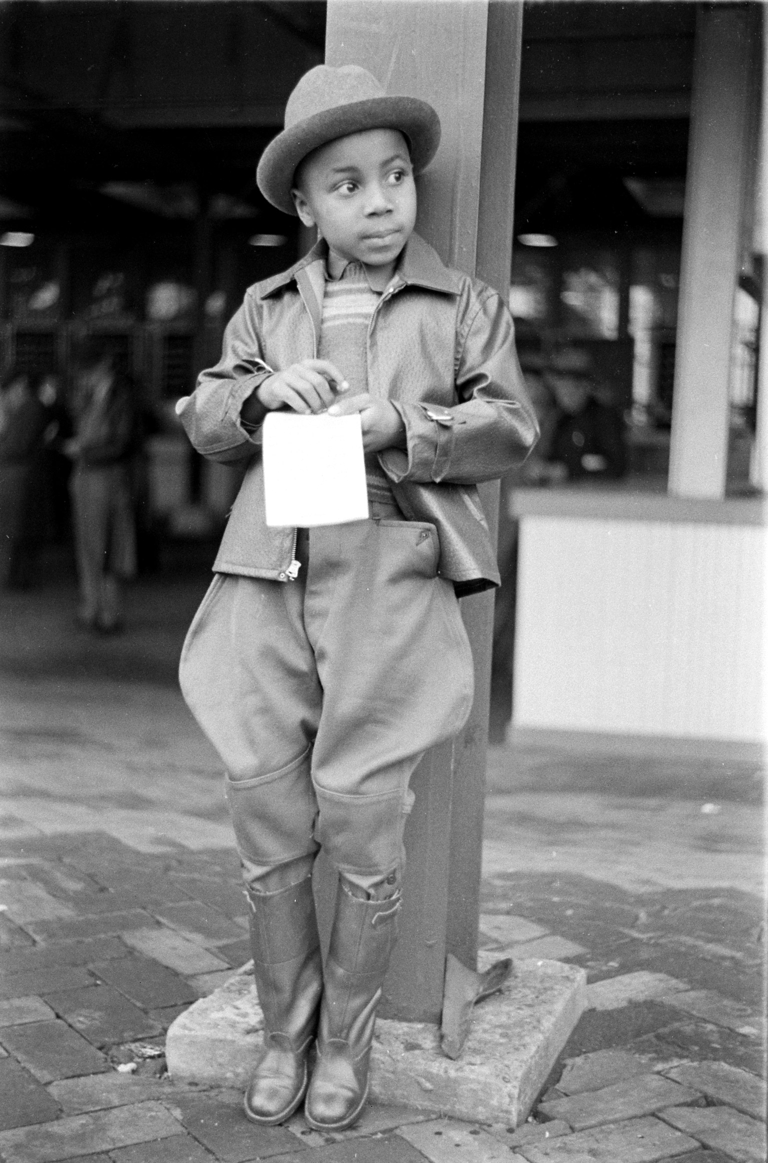 Child at the 1937 Kentucky Derby.