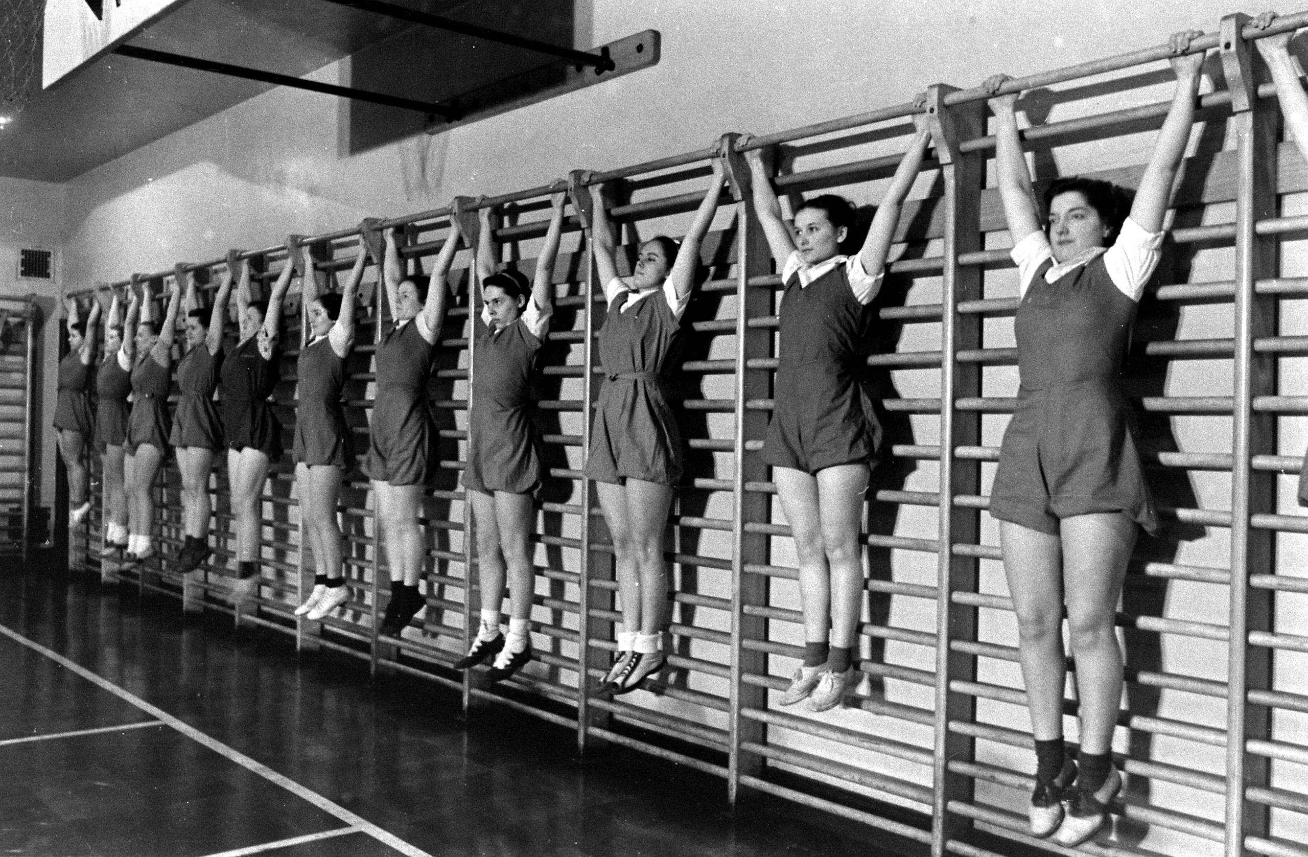 Student nurses at New York's Roosevelt Hospital, 1938.