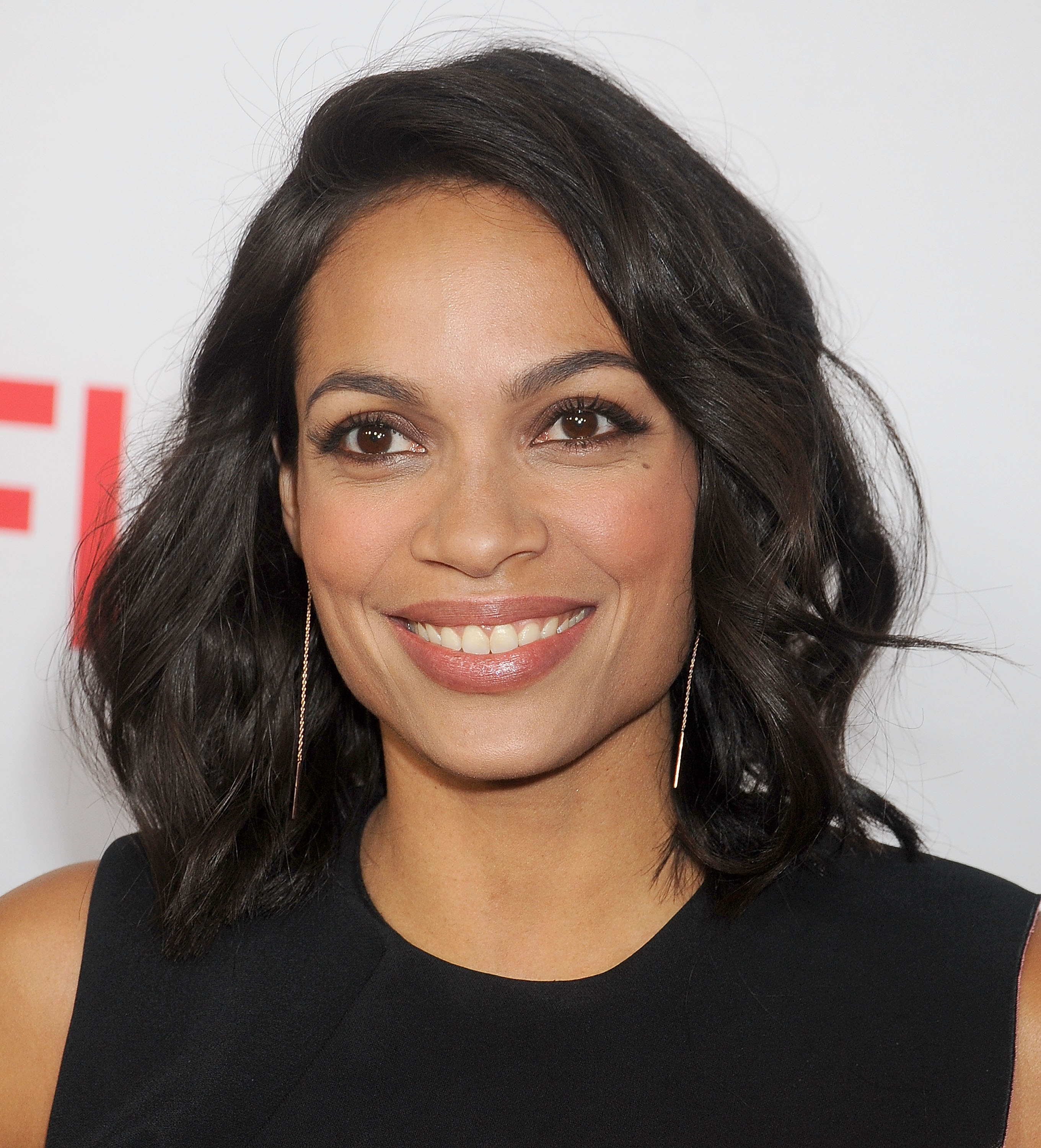 Actress Rosario Dawson arrives at the premiere Of Netflix's  Marvel's Daredevil  at Regal Cinemas L.A. Live on April 2, 2015 in Los Angeles, California.