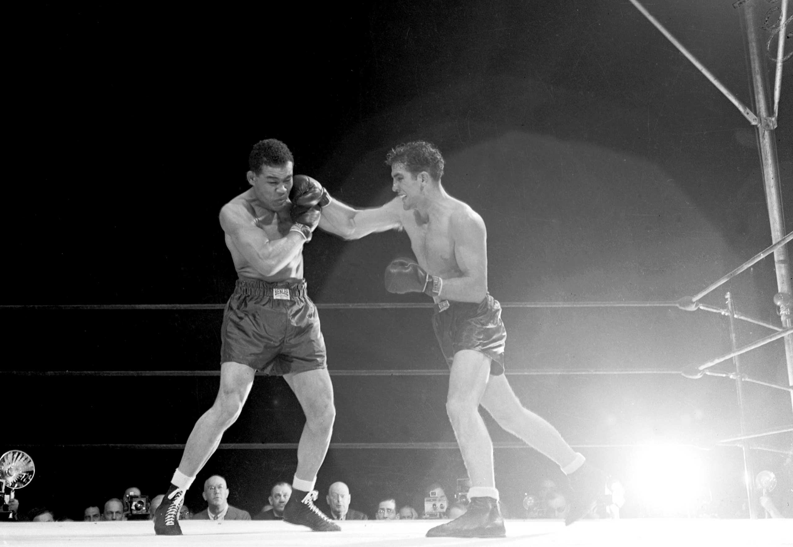 "<b>Joe Louis vs. Billy Conn, June 18, 1941</b> Legendary heavyweight champion Louis took on the Pittsburgh Kid Conn at the Polo Grounds. Giving away at least 25 pounds, Conn was the heavy (or should that be light?) underdog but proceeded to outbox Louis. Boxing historian Bert Sugar wrote that, ""Conn could block punches with his arms, elbows and gloves, and further nullify his opponents' punches by 'rolling' with them."" By the eighth round, dehydration had set in on Louis and by the 12th he was completely exhausted with Conn ahead on two of the scorecards (Louis later admitted in his autobiography that he rested up toward the end of his training schedule because ""I didn't want them to say in the papers that I beat up on some little guy""). Conn got cocky in the 13th and tried to finish Louis off; but by going for the KO, he exposed his impressive defense, was caught by his opponent and was counted out with two seconds left in the round. Let that serve as a lesson to underdogs everywhere."