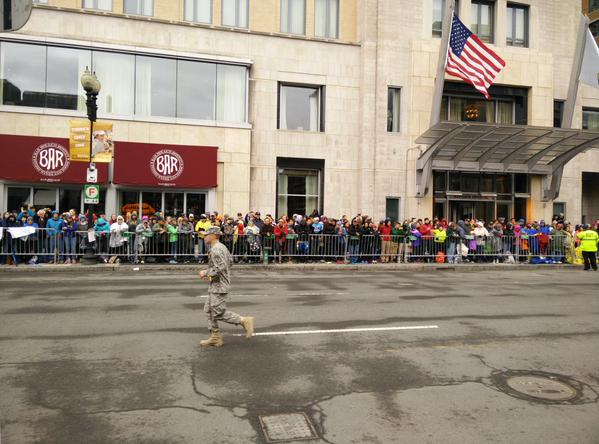 Humi shared an image of a soldier running the marathon. #BostonMarathon electrifying cheers from the crowd ! http://t.co/3exGW7pmmI