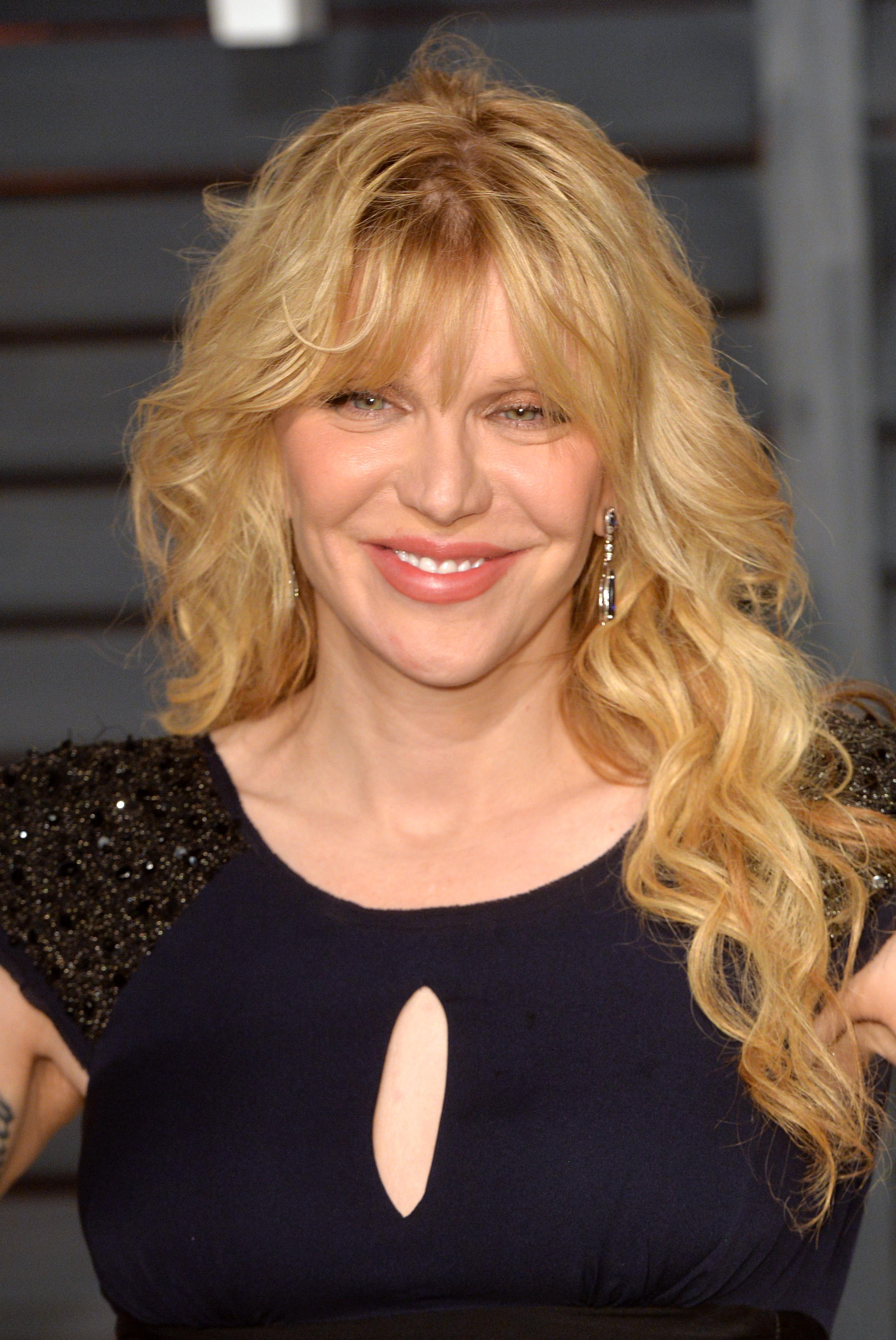 Courtney Love arrives at the 2015 Vanity Fair Oscar Party Hosted By Graydon Carter at Wallis Annenberg Center for the Performing Arts on February 22, 2015 in Beverly Hills, California.