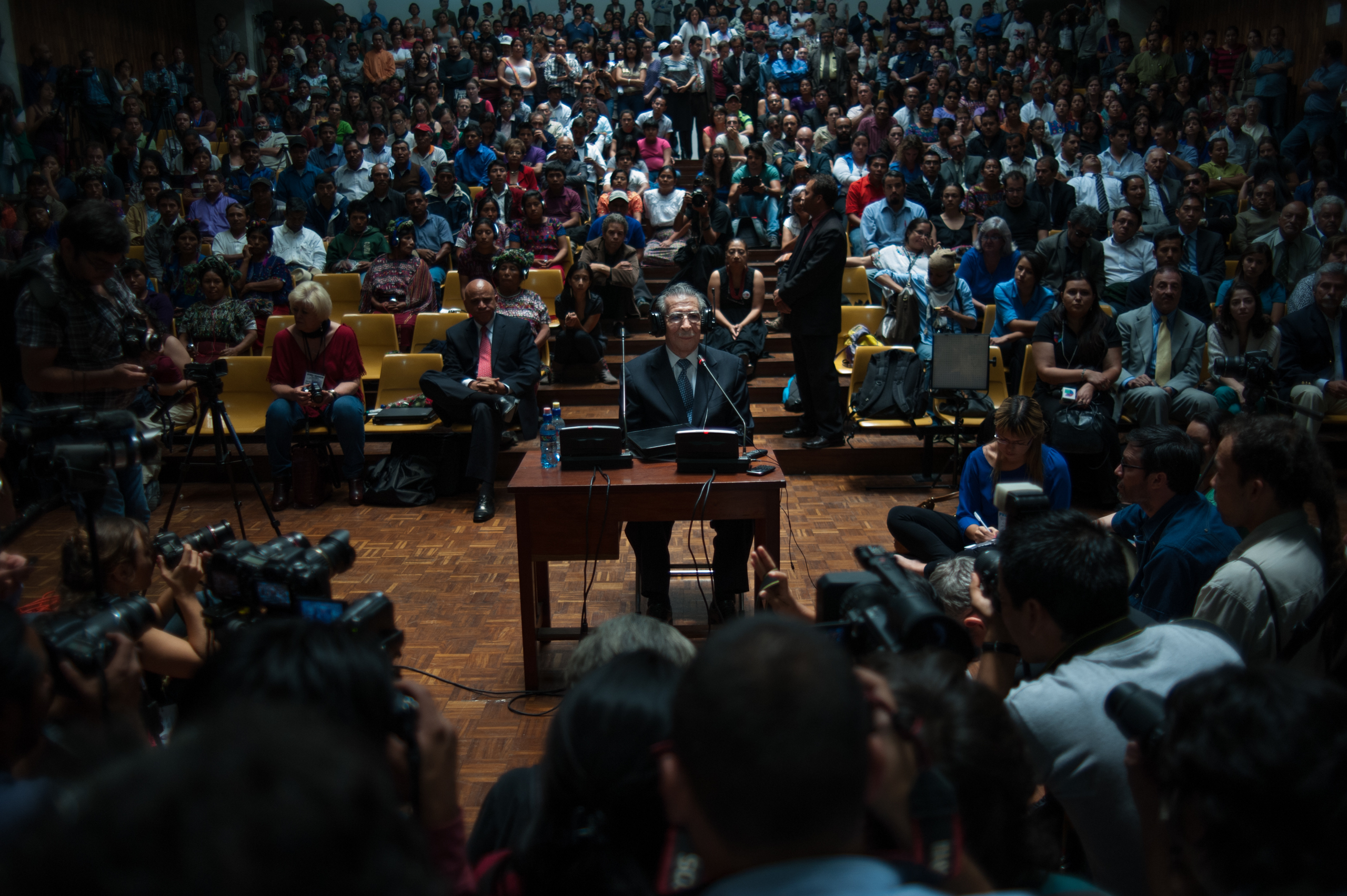 Ex-dictator Efraín Ríos Montt, appears in front of judge Yassmin Barrios during the genocide trial where he is the main defendant.