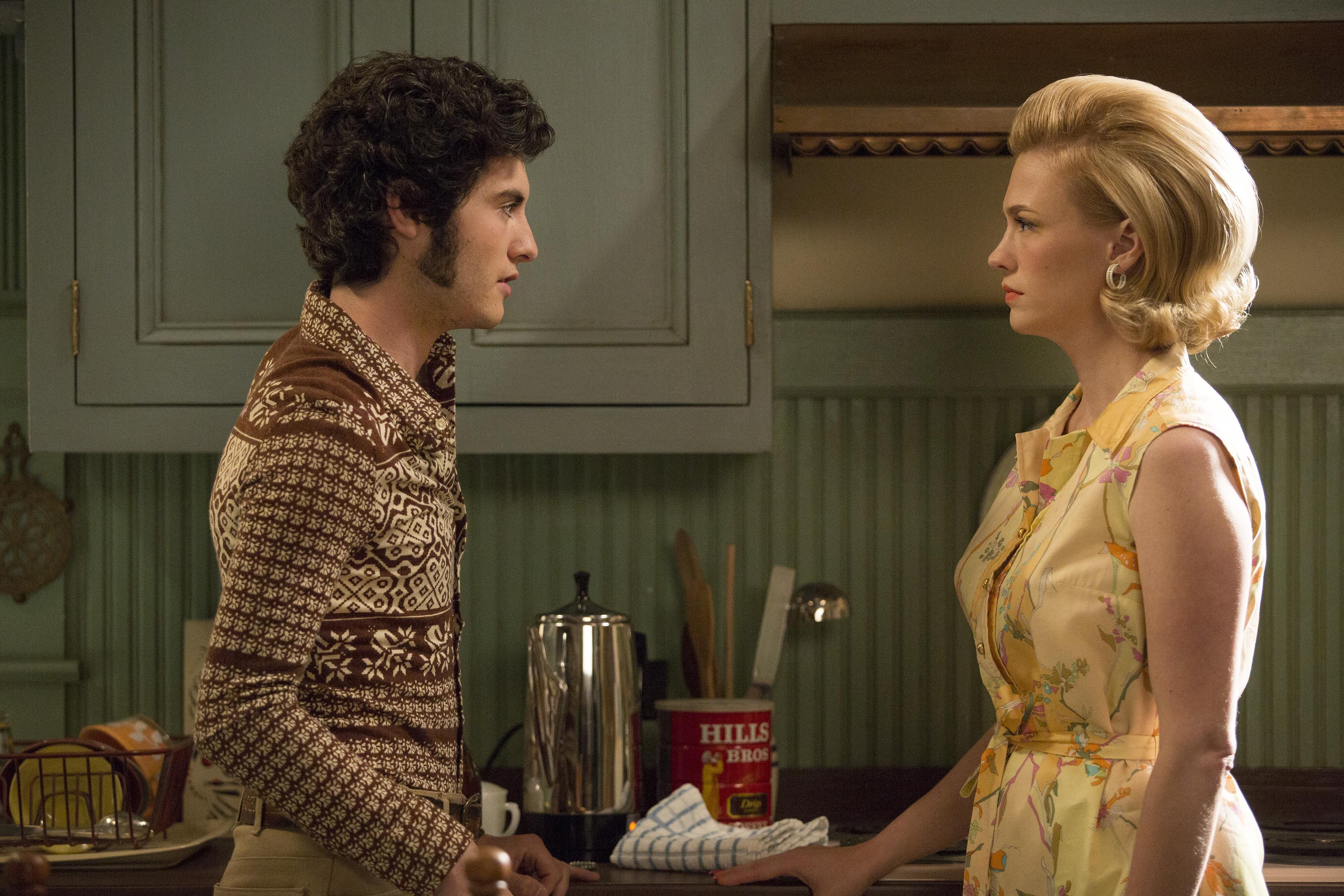 Marten Weiner as Glen Bishop and January Jones as Betty Francis in Mad Men