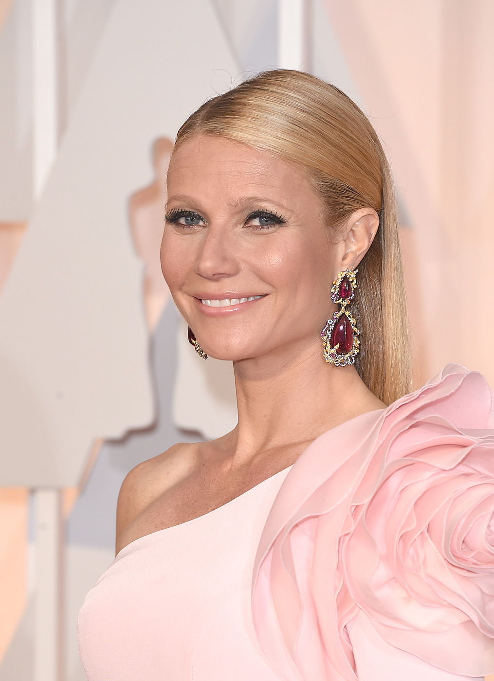 Gwyneth Paltrow attends the 87th Annual Academy Awards at Hollywood & Highland Center on Feb. 22, 2015 in Hollywood, Calif.