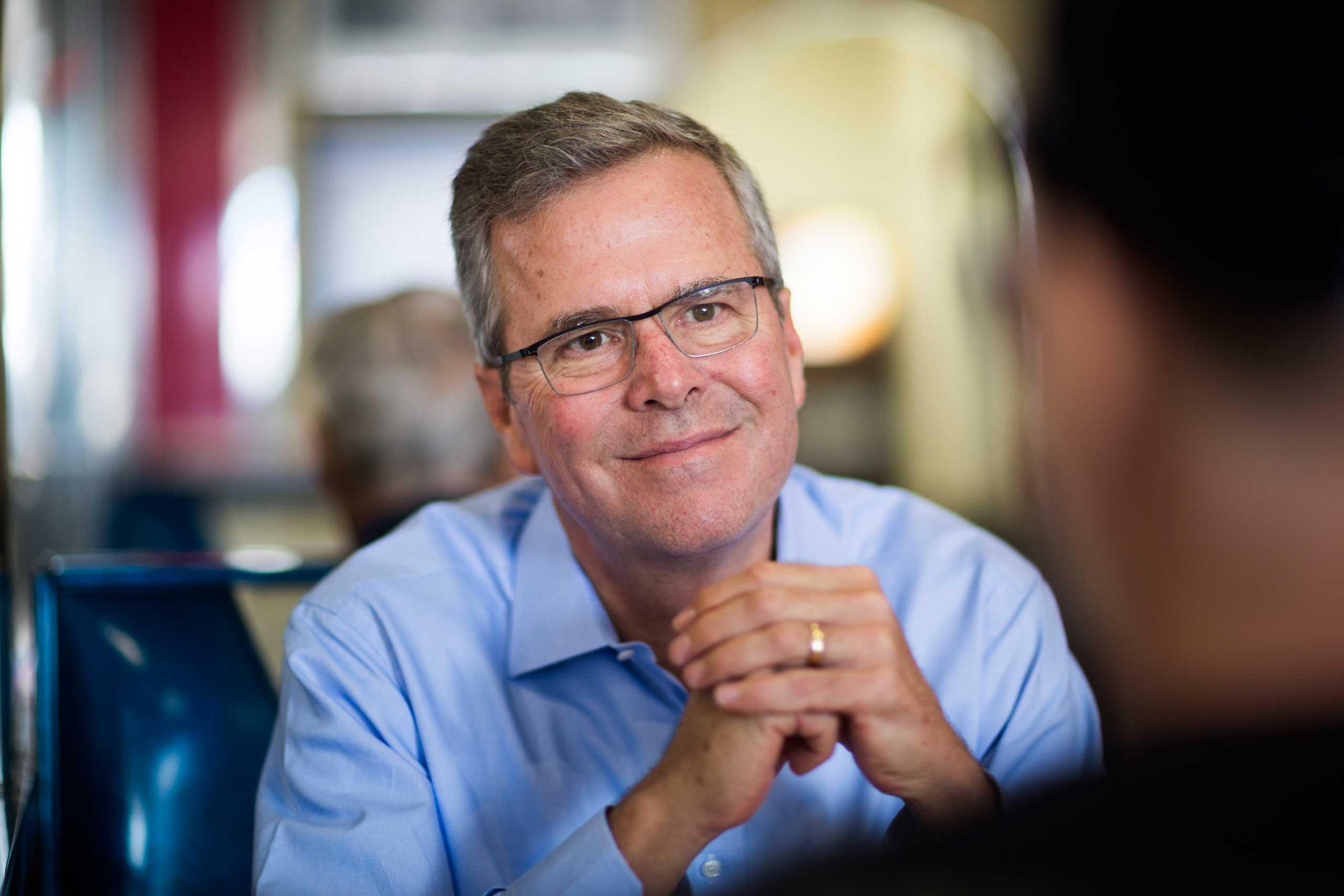 Former Florida Governor Bush at MaryAnne's Diner in Derry, N.H. on April 17, 2015.