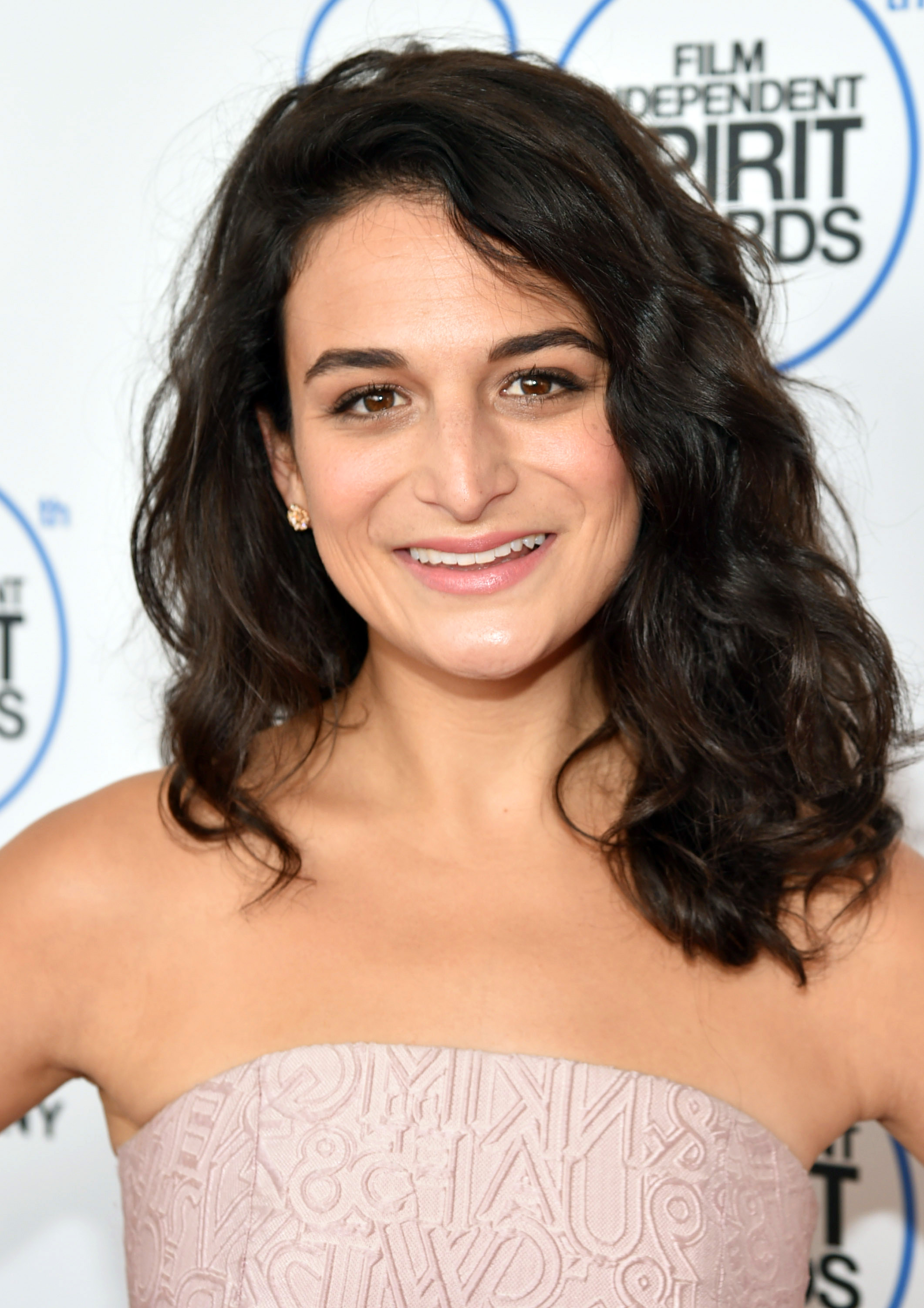 Jenny Slate arrives at the 30th Film Independent Spirit Awards on Saturday, Feb. 21, 2015, in Santa Monica, Calif. (Photo by John Shearer/Invision/AP)