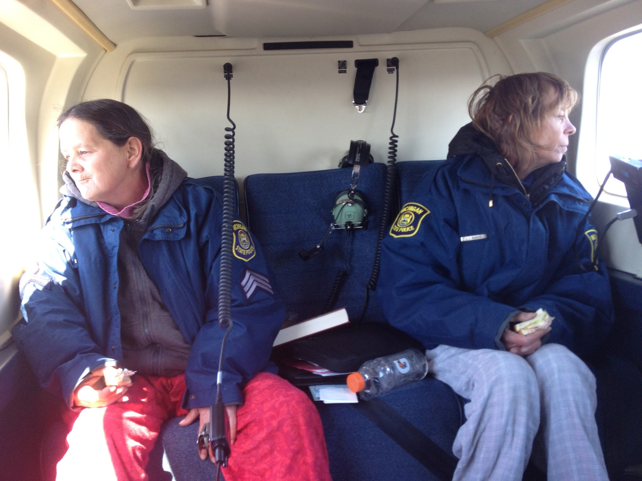 Lee Wright (L) and Leslie Roy (R) after being rescued by Michigan State Police, April 24, 2015.