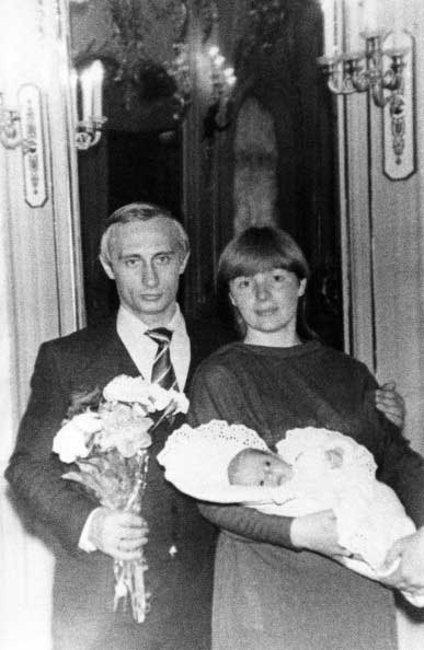 Vladimir Putin with his then-wife Lyudmila and daughter, Masha, in 1985.