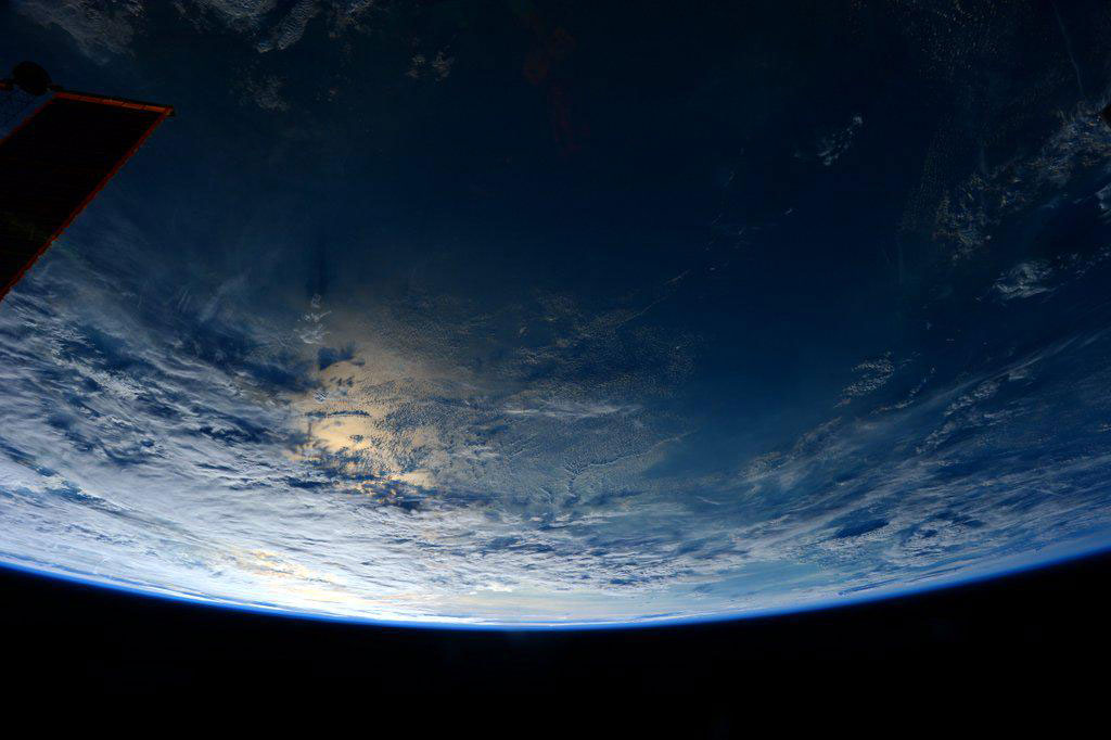 """""""#Earth is breathtaking. #YearInSpace"""" - <a href=""""https://twitter.com/StationCDRKelly/status/587002501850861568"""" target=""""_blank"""">via Twitter</a> on April 11, 2015"""