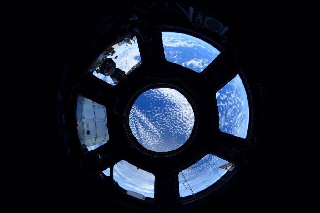 """""""#EarthObservations Window on the world. Studying our planet from the cupola on @space_station #NoPlaceLikeHome"""" - <a href=""""https://twitter.com/StationCDRKelly/status/590933580320153600"""" target=""""_blank"""">via Twitter</a> on April 22, 2015"""