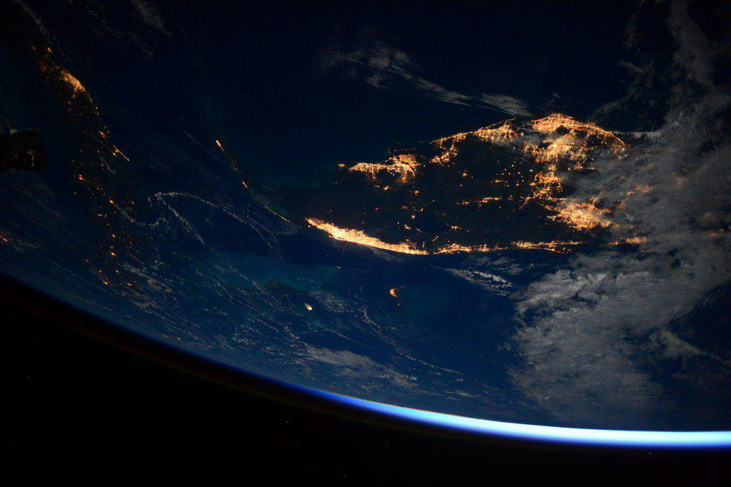 """""""Good morning Southern #Florida from the #ISS. #YearInSpace"""" - <a href=""""https://twitter.com/StationCDRKelly/status/584692280818270208"""" target=""""_blank"""">via Twitter</a> on April 5, 2015"""