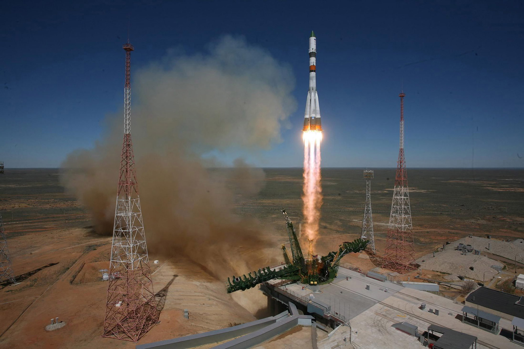 A Russian Soyuz-2.1a launch vehicle carrying a Progress M-27M cargo ship lifts off from the Baikonur cosmodrome in Kazakhstan, on April 28, 2015.