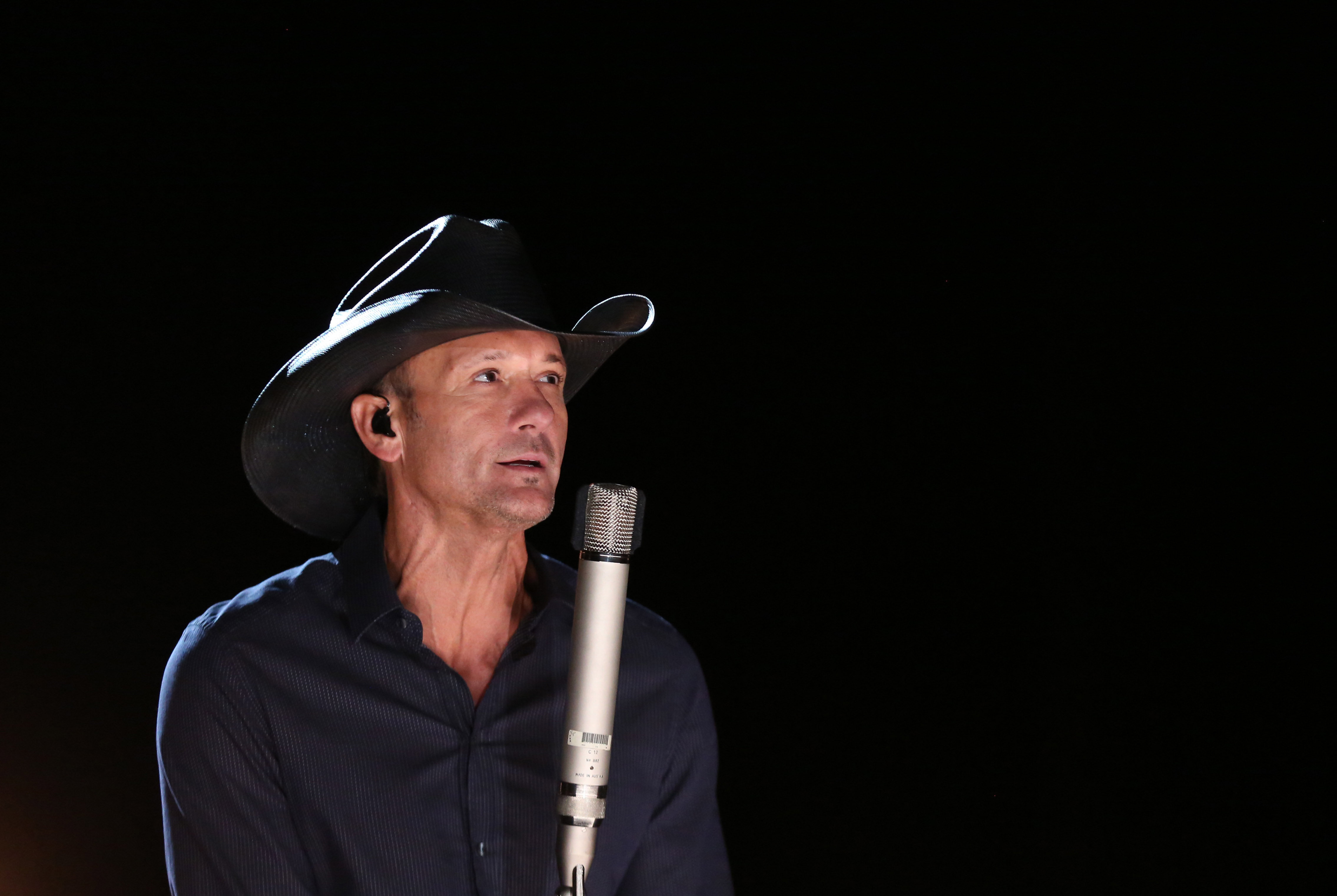 Tim McGraw performs during rehearsals for the 87th Academy Awards in Los Angeles, Feb. 20, 2015.