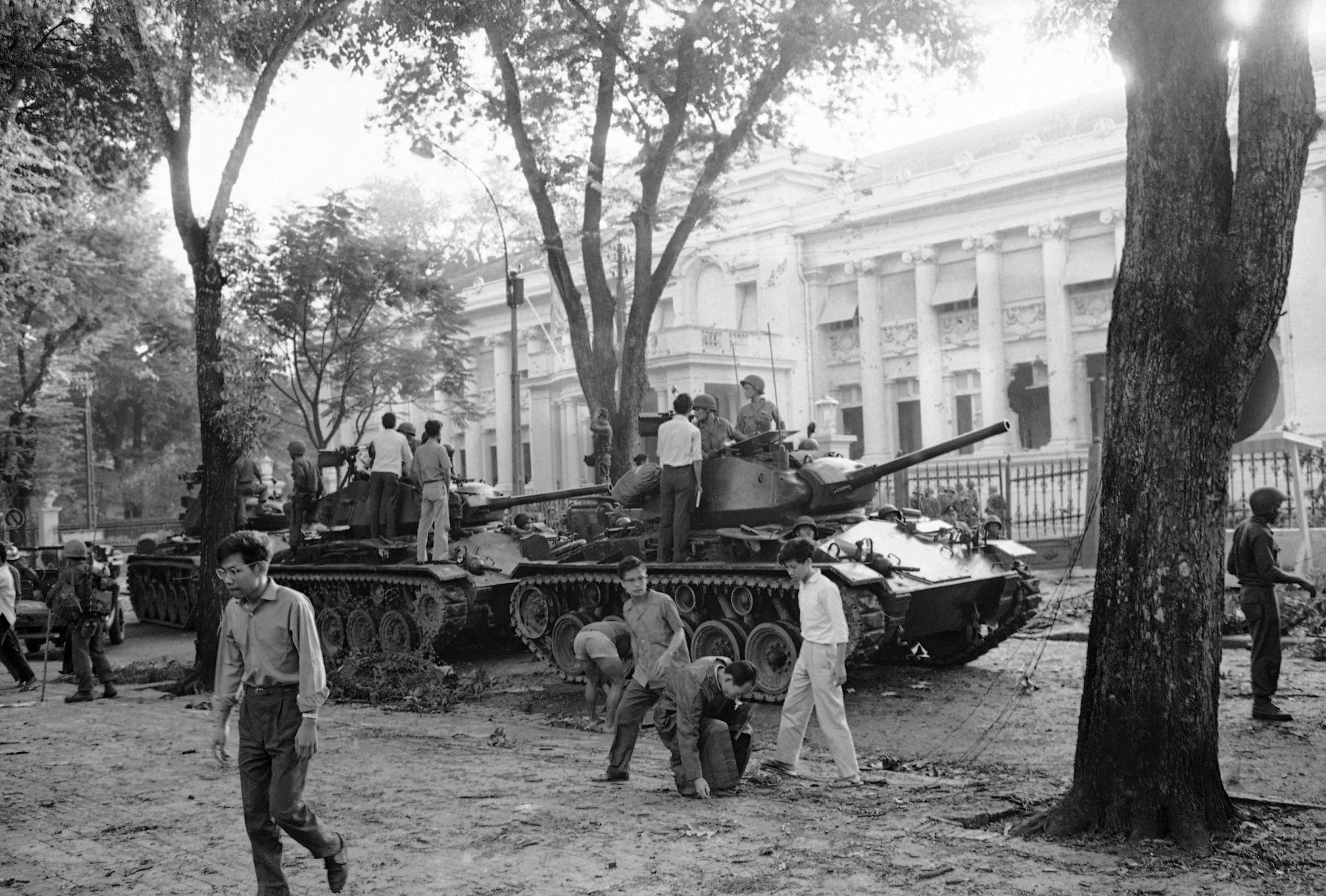 Rebel tanks are drawn up in front of the presidential palace in Saigon, on Nov. 3, 1963, during coup that brought the downfall and death of South Vietnam President Ngo Dinh Diem and his brother Ngo Dinh Nhu.
