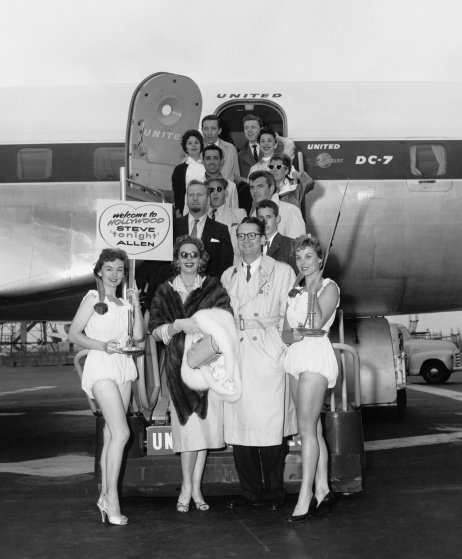 The Tonight Show starring Steve Allen, episode 201: (l-r center) Jayne Meadows, Steve Allen (2nd left) Skitch Henderson (4th row right) Patricia Marshall (5th row l-r) Pat Kirby, Eydie Gorme (top row l-r) Andy Williams, Steve Lawrence