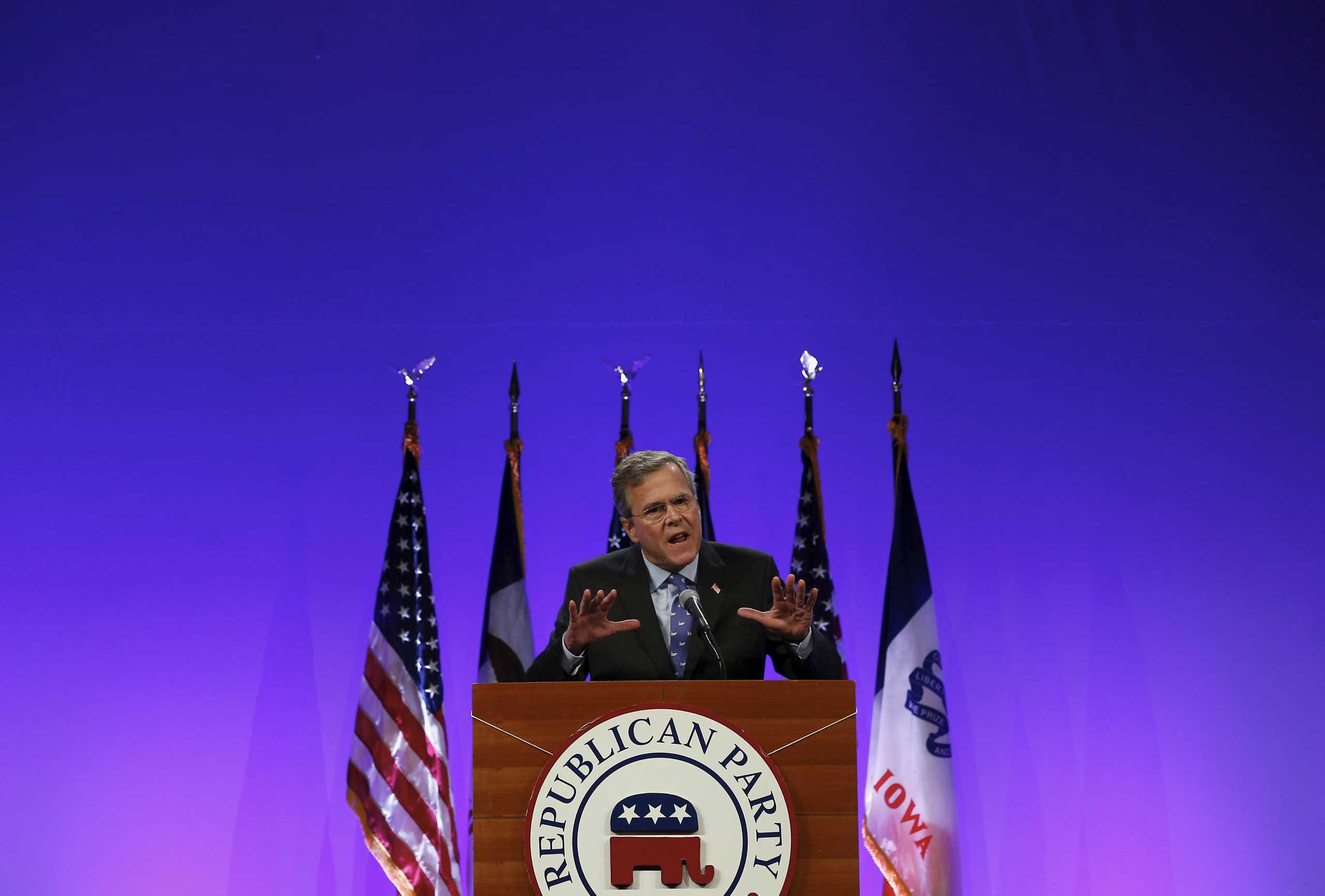 Former Florida Governor Jeb Bush speaks at the Republican Party of Iowa's Lincoln Dinner in Des Moines, Iowa, United States, May 16, 2015.