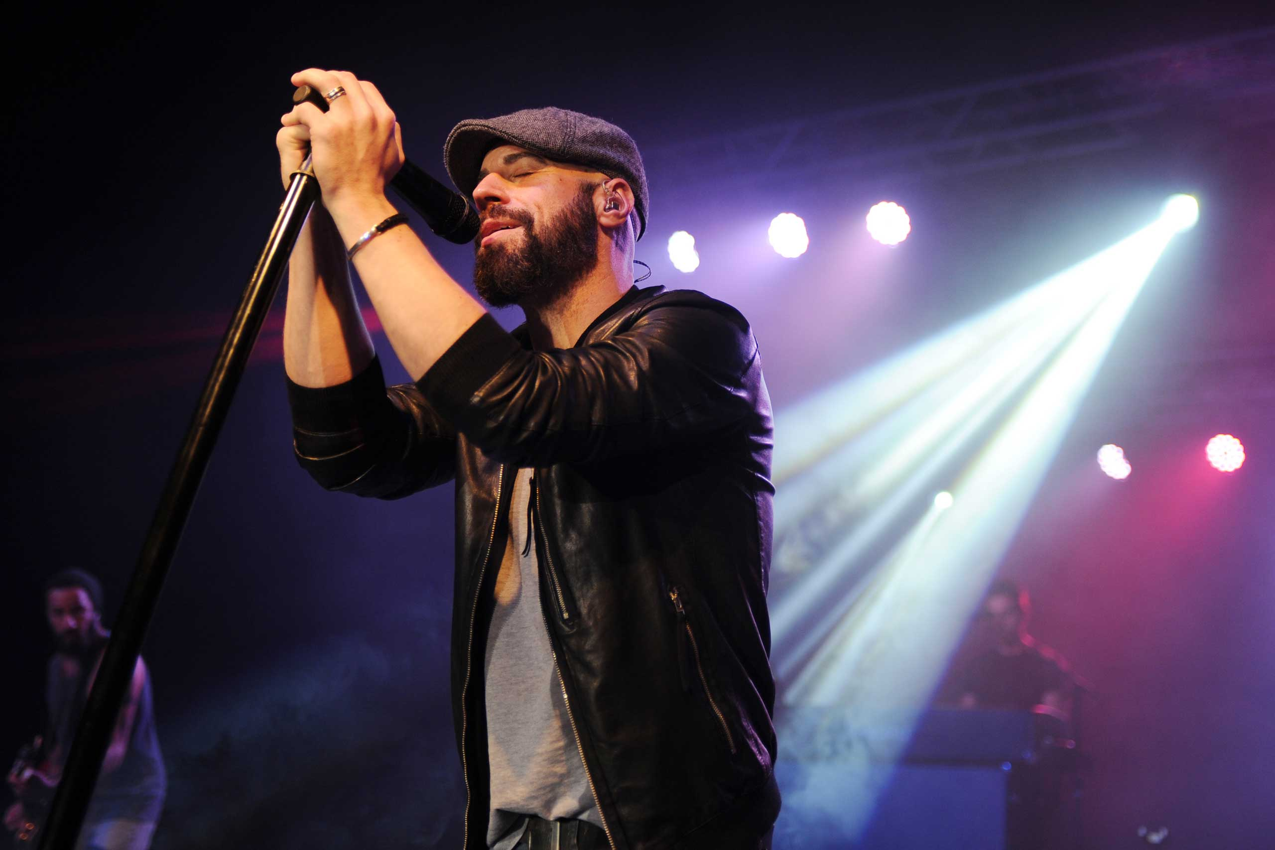 <b>Chris Daughtry</b>, who came in 4th on season 5, performs at Pompano Beach Amphitheatre in Pompano Beach, Fla. on Nov. 12, 2014.