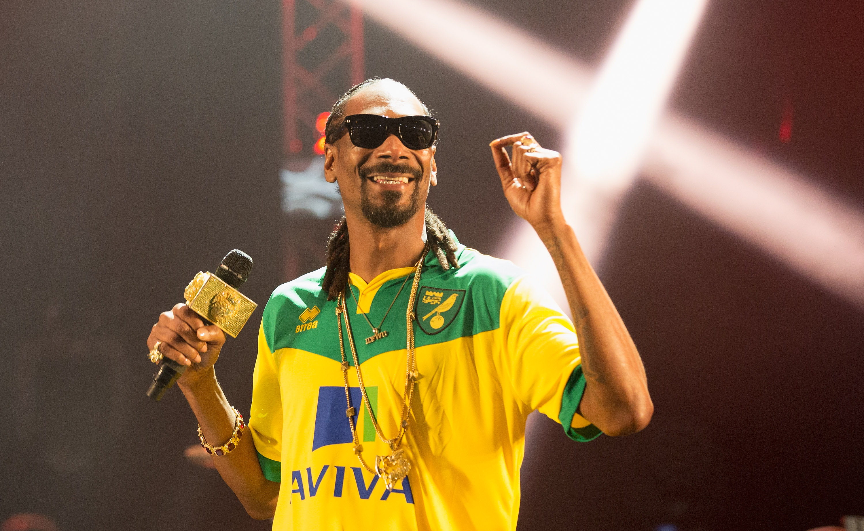 Snoop Dogg performs on stage at BBC Radio 1's Big Weekend at Earlham Park on May 23, 2015, in Norwich, England