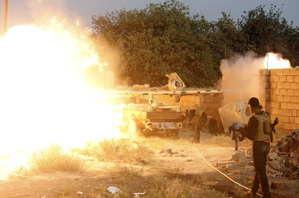 Iraqi Shiite fighters battle Sunni Islamic State militants north of Baghdad May 26.