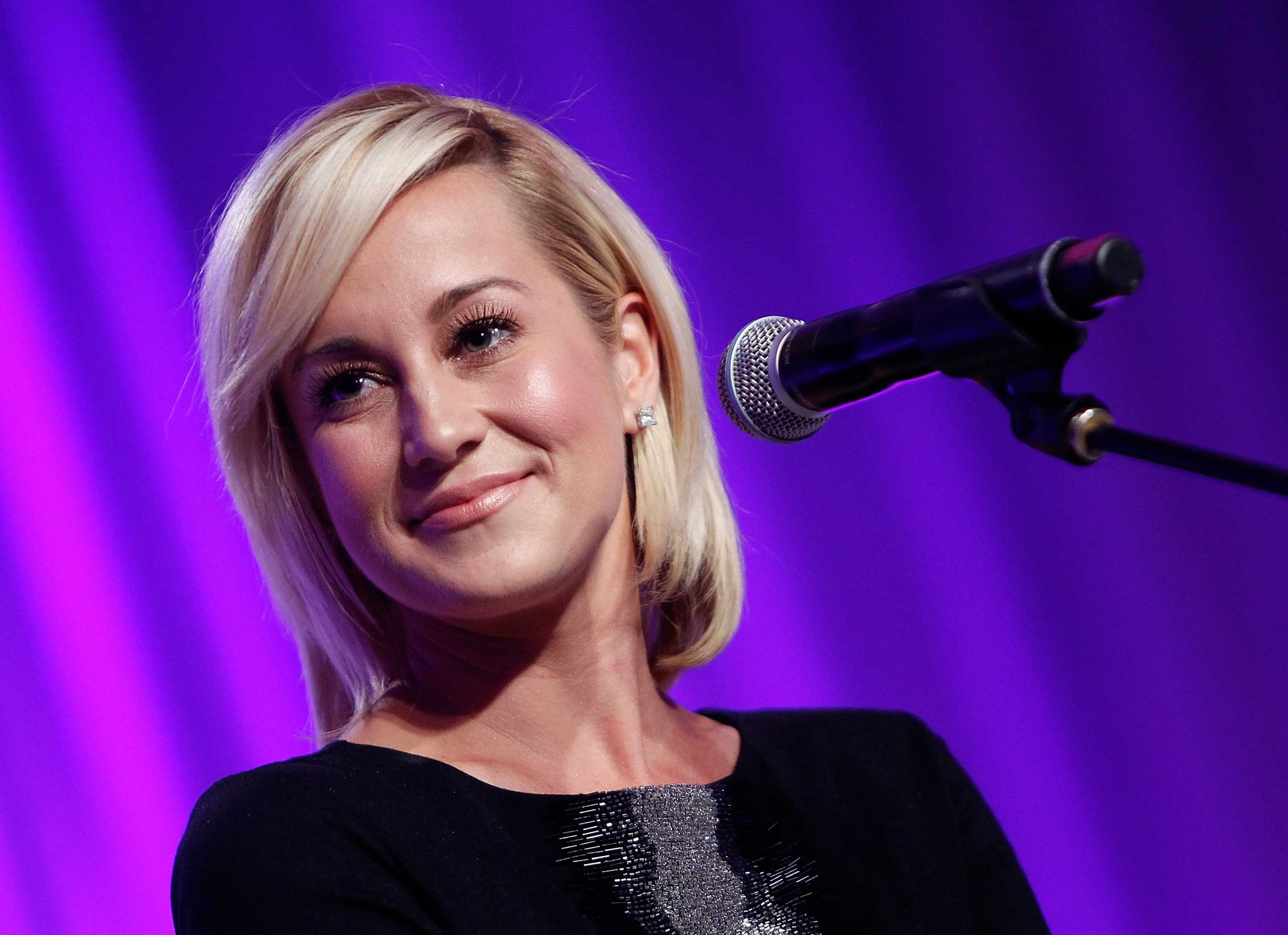 <b>Kellie Pickler</b>, who came in 6th on season 5, performs at 2014 USO Gala: Honoring Those Who Serve at the Washington Hilton in Washington on Oct. 17, 2014.