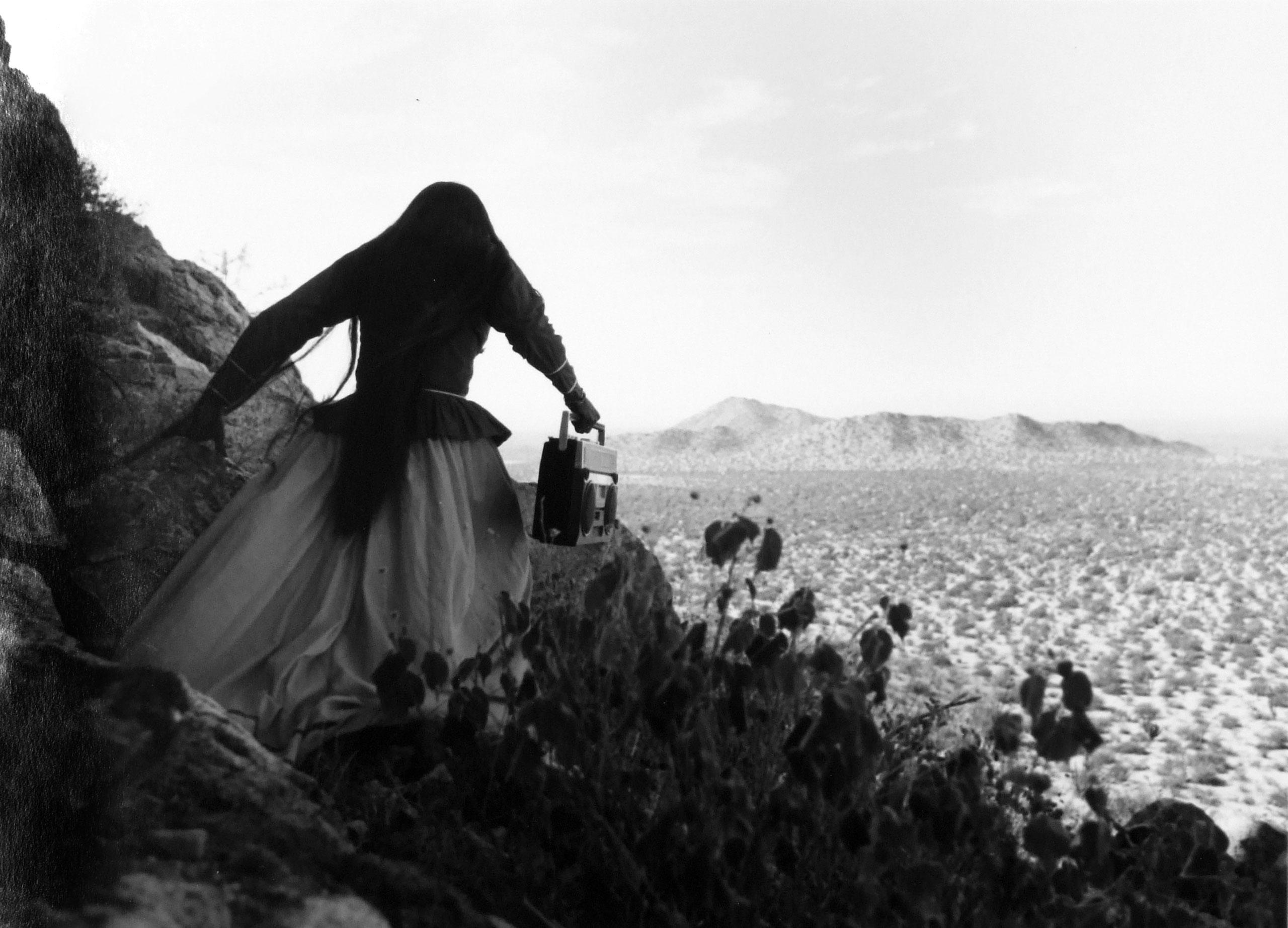 Mujer Angel, from the series Los Que Viven En La Arena