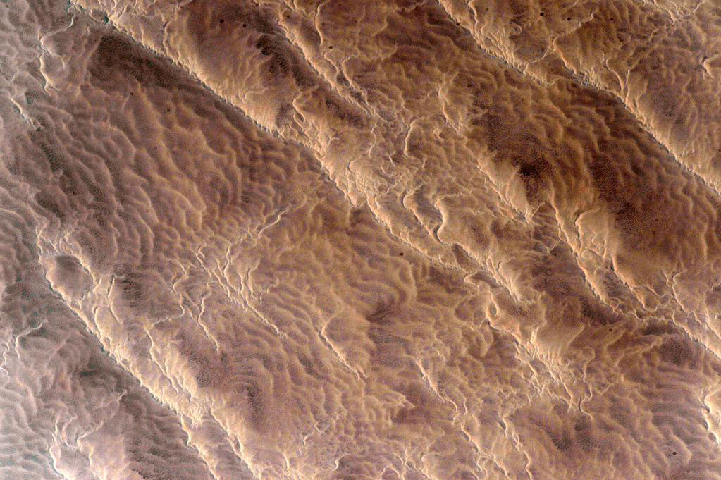 """Looking at the sands of #Earth it's hard to imagine there are more stars than every grain on our planet.#YearInSpace"" - <a href=""https://twitter.com/StationCDRKelly/status/596473697575247872"" target=""_blank"">via Twitter</a> on May 7, 2015"